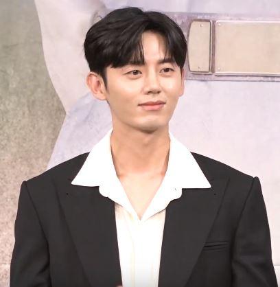 Lee Ji-hoon (actor, born 1988) - Wikipedia