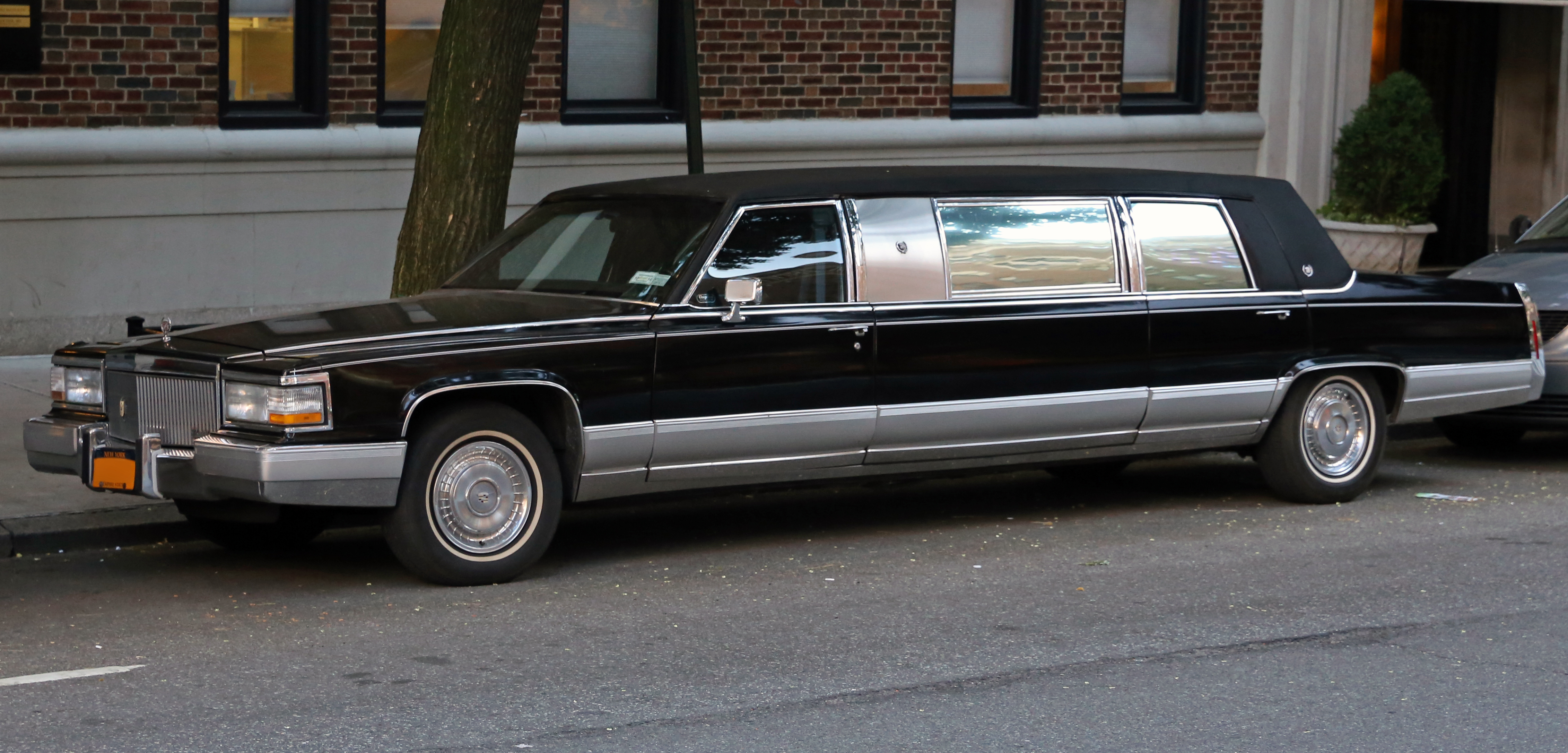 File 1990 Cadillac Brougham Stretch Limousine Front Side