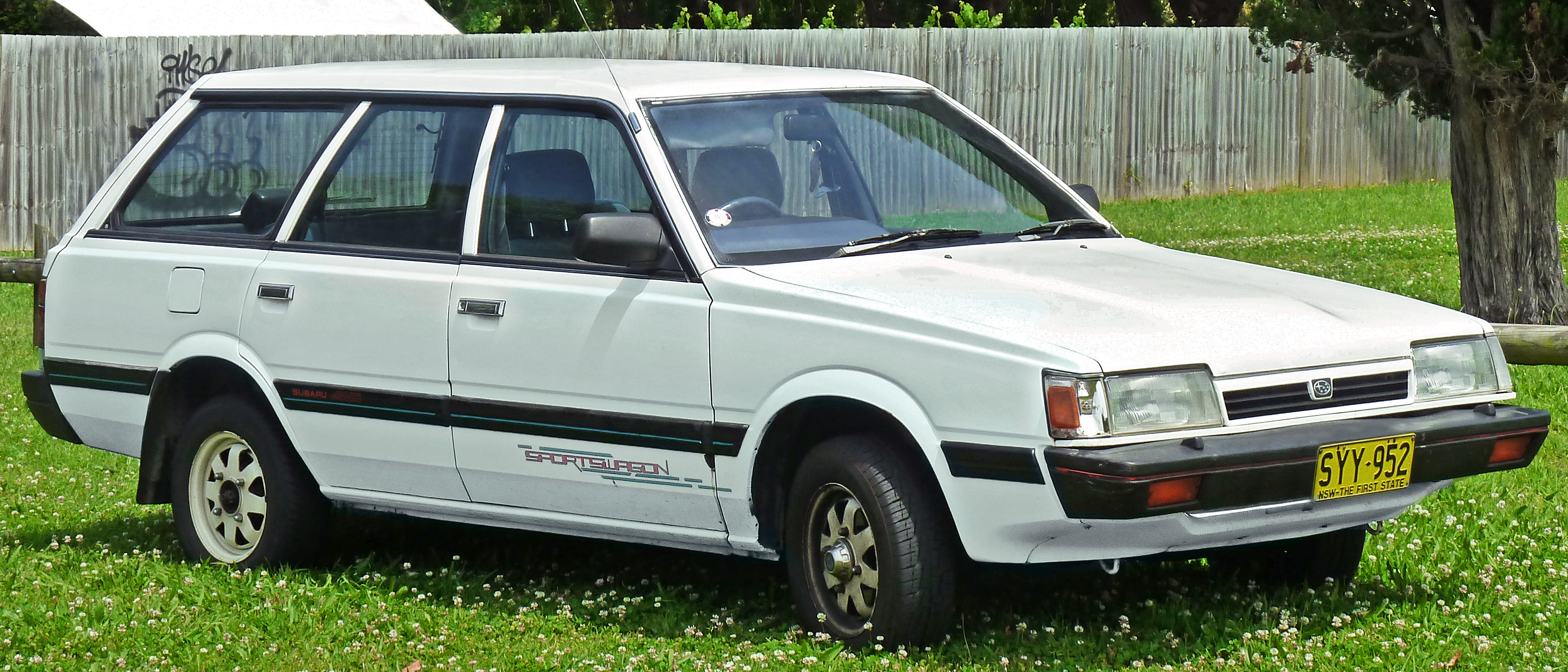 File:1994 Subaru L Series Deluxe Sportswagon station wagon (2011-10-23