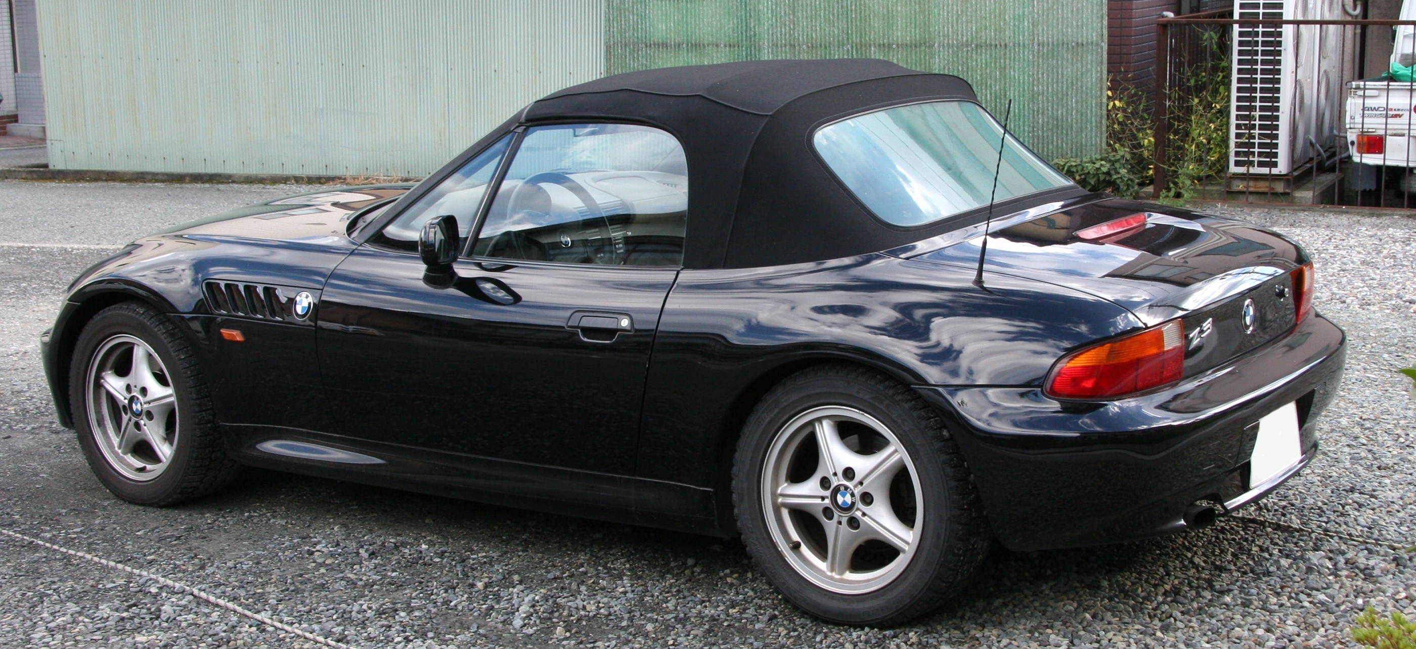 File 1996 1998 Bmw Z3 Roadster Rear Jpg Wikimedia Commons