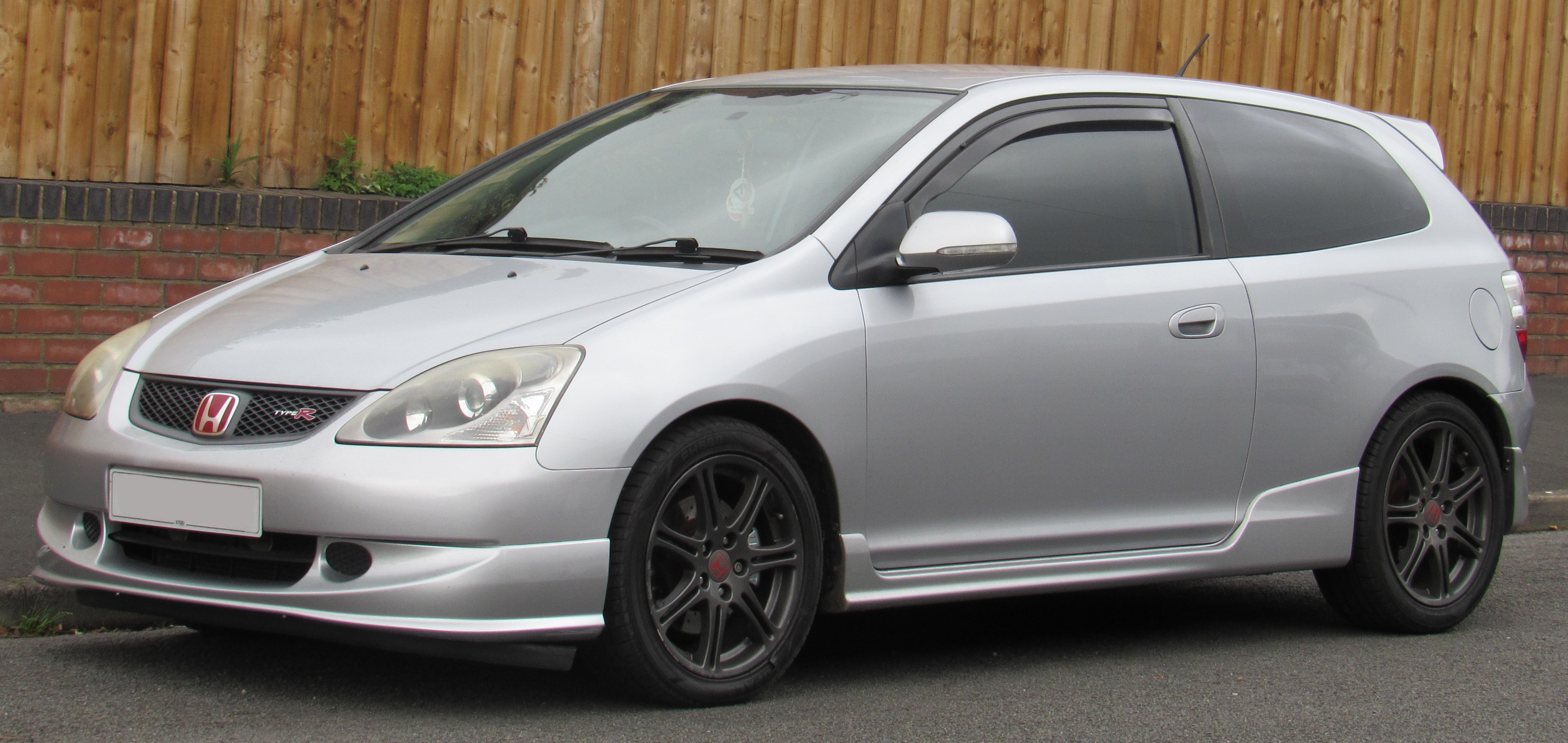 File:2005 Honda Civic Type R 2.0 Front