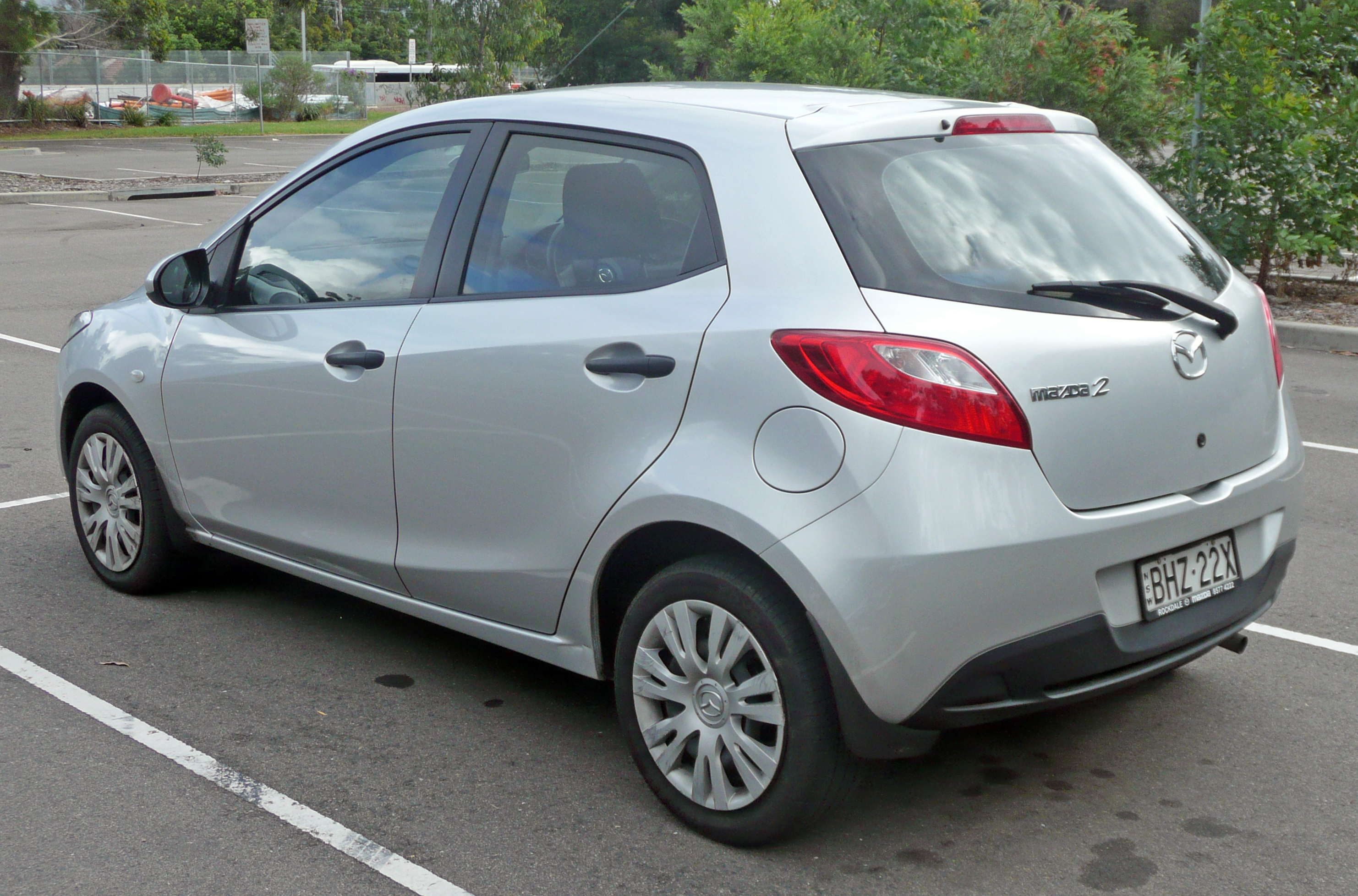 File 2007 2009 Mazda 2 De Neo 5 Door Hatchback 03 Jpg Wikimedia Commons