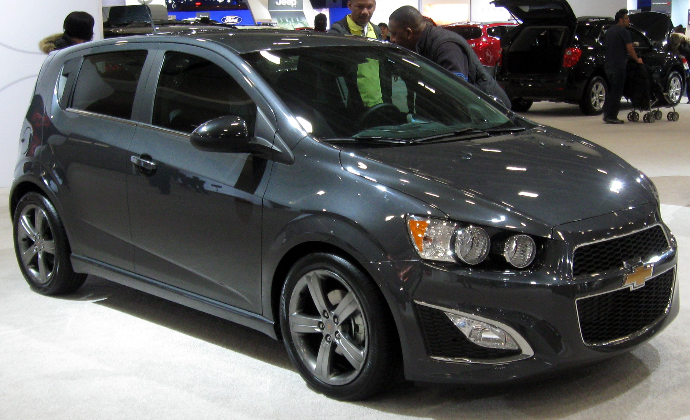 file 2013 chevrolet sonic rs 2012 dc jpg wikimedia commons. Black Bedroom Furniture Sets. Home Design Ideas