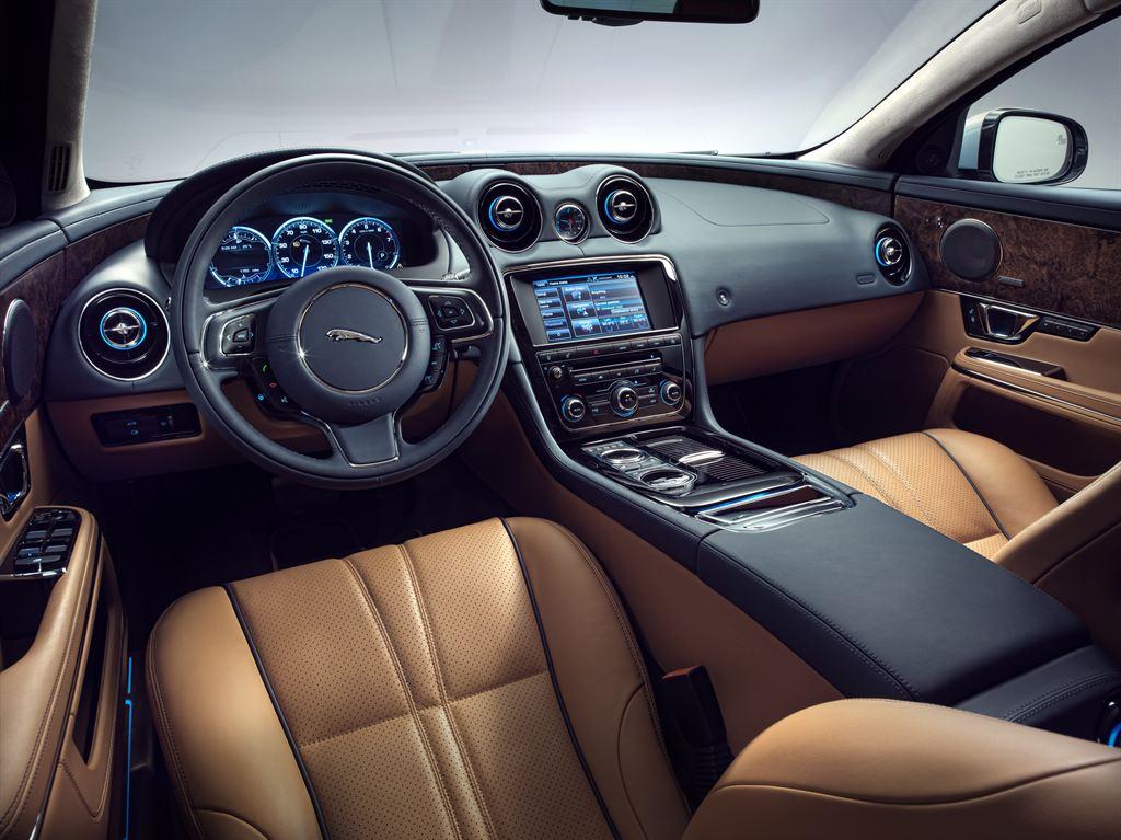 File:2014 Model Year Jaguar XJ (9552565501)