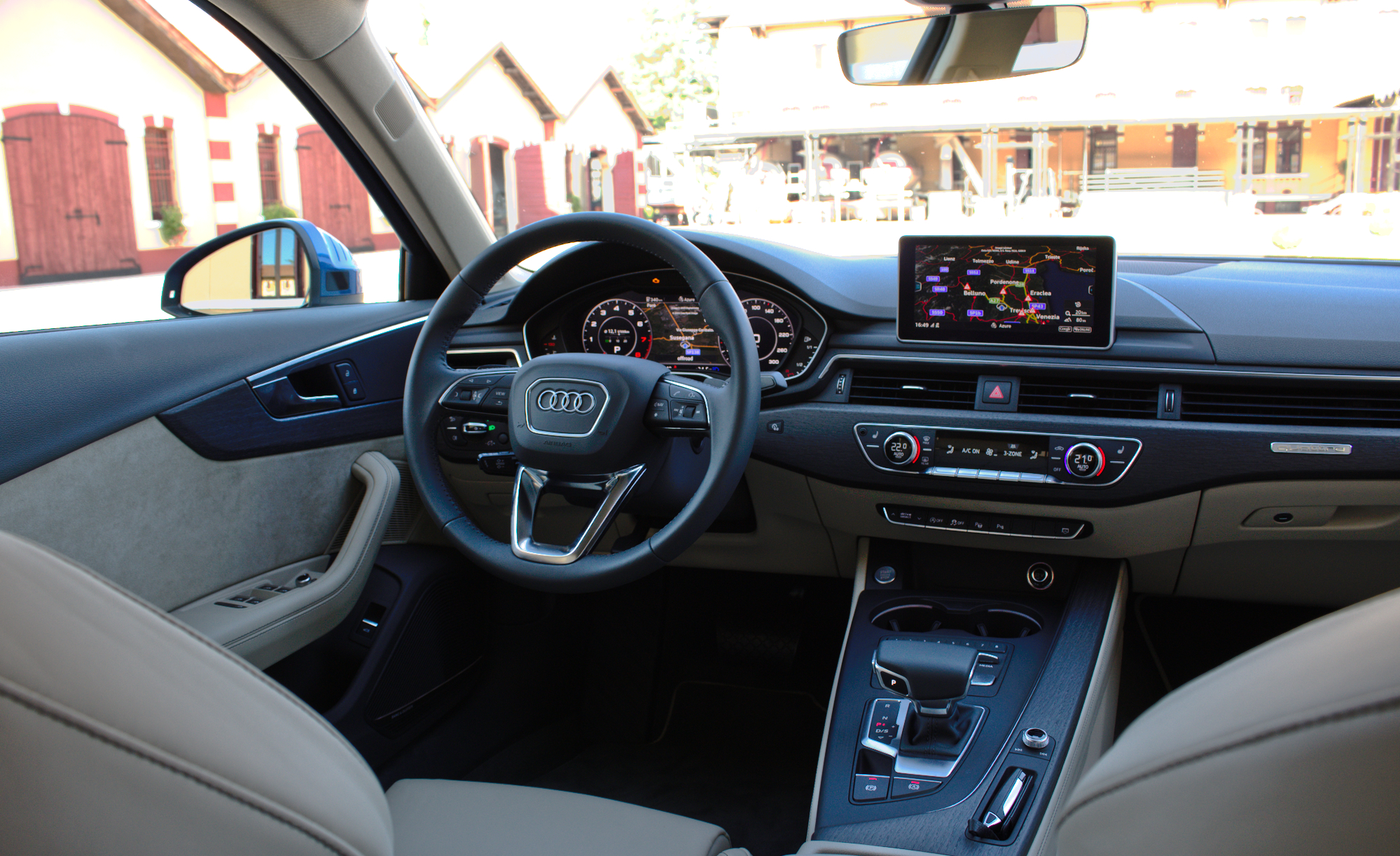 File 2015 audi a4 b9 2 0 tfsi quattro 185 kw s line for Interieur 2015