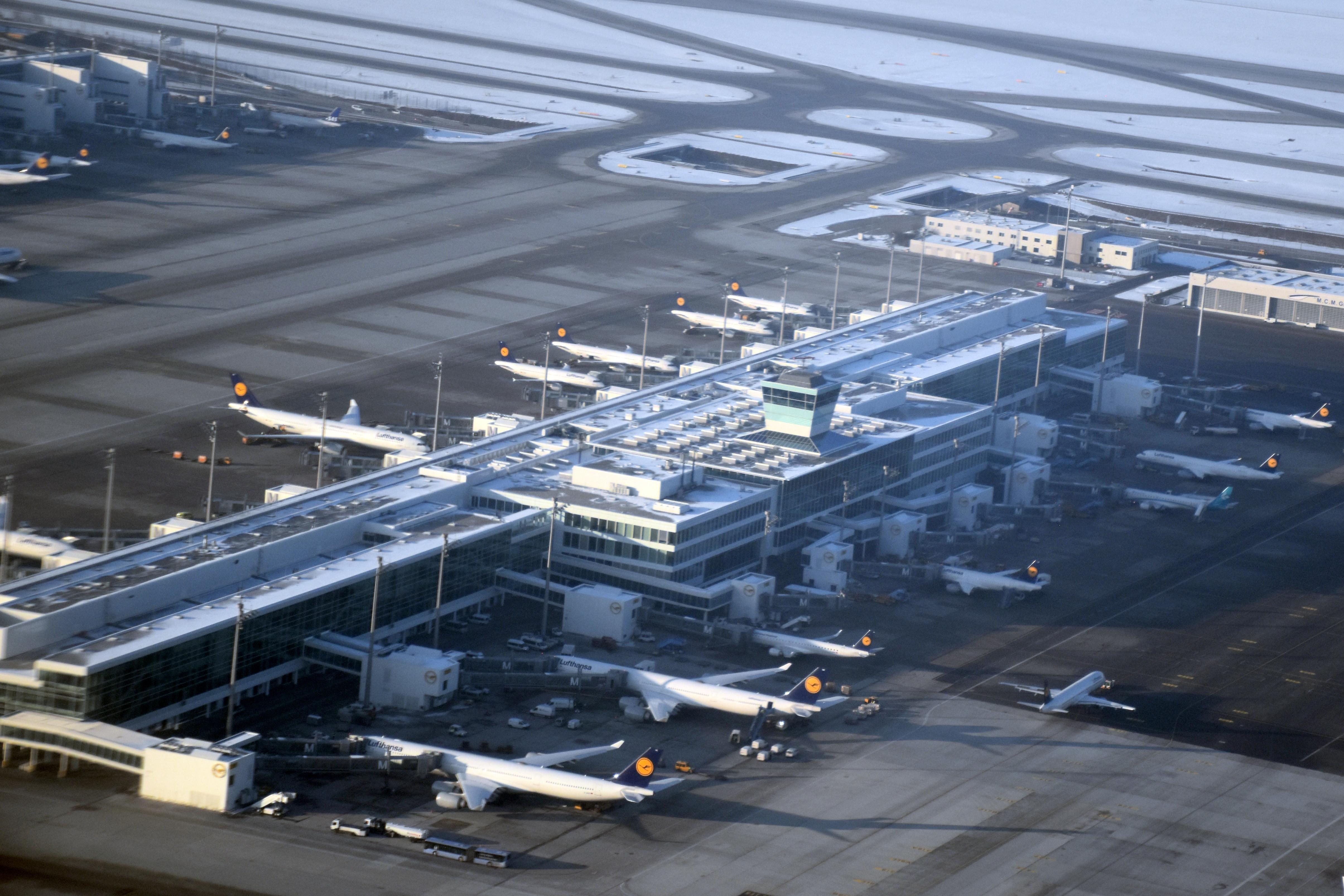Аэропорт Мюнхена терминал 2 спутник фото