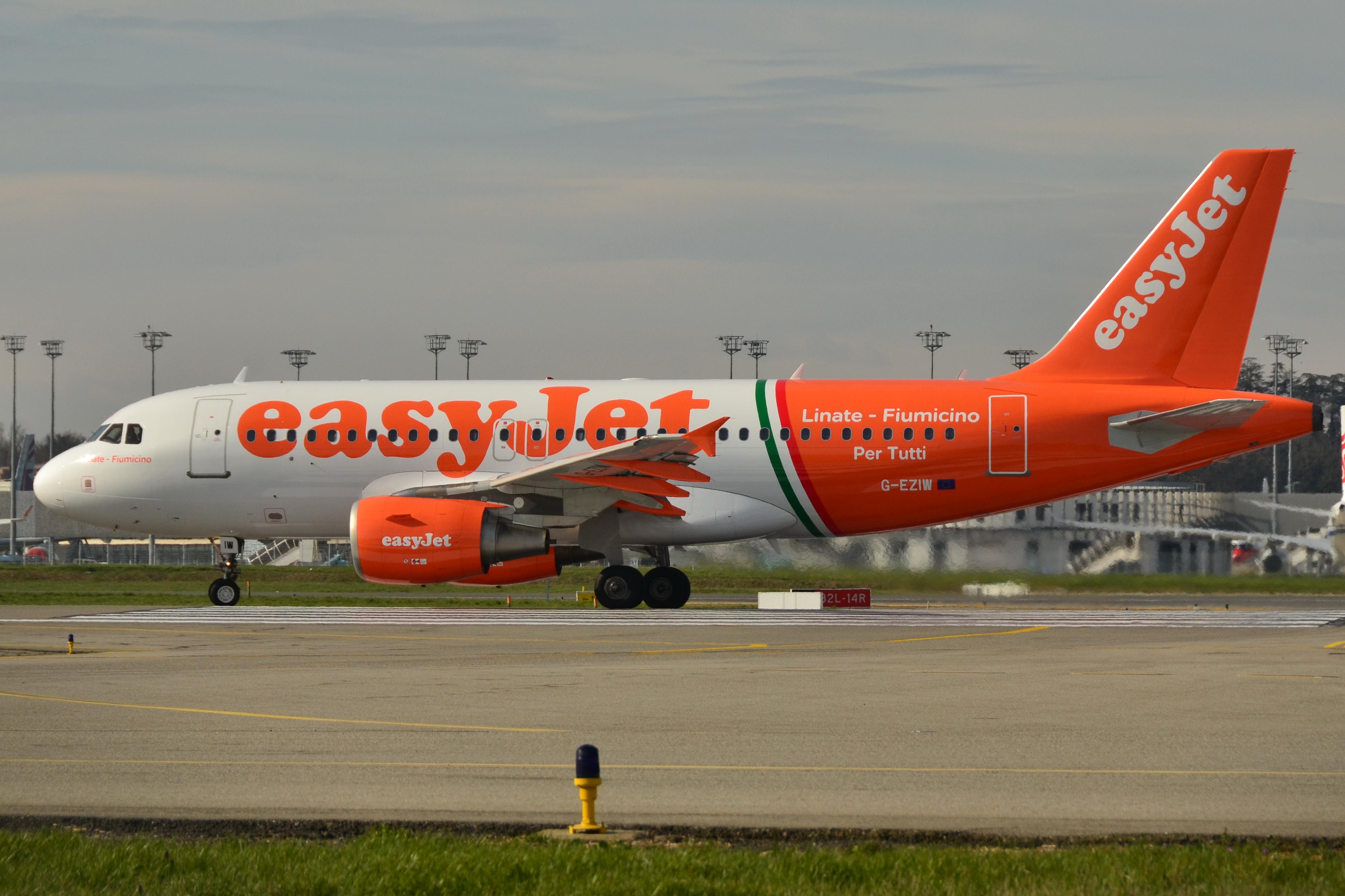 """File:Airbus A319-100 easyJet (EZY) """"Linate - Fiumicino per tutti"""