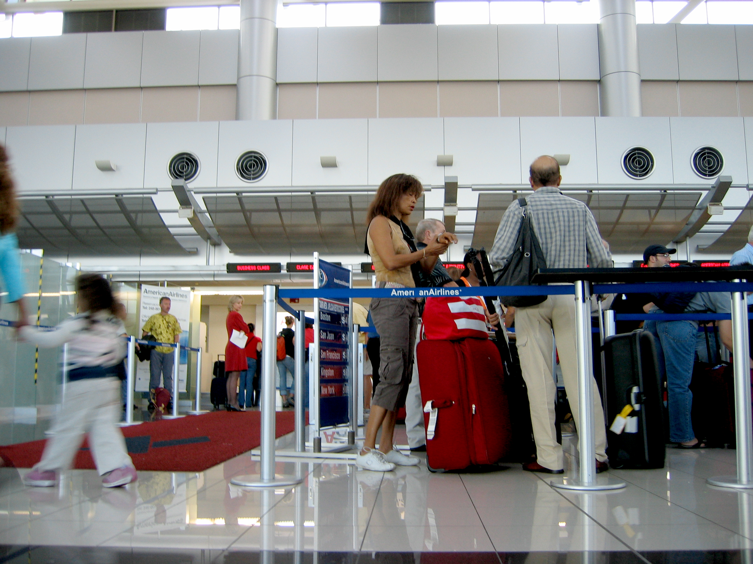 File:American Airlines.Airport Check-in.SJO.2005.jpg ... American Airlines Check In