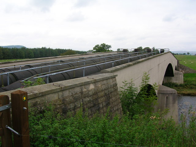 Aqueduct over the River Ribble - geograph.org.uk - 242100