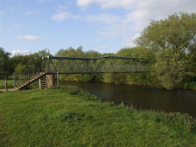 Ashton-Oundle Footbridge - geograph.org.uk - 1295577