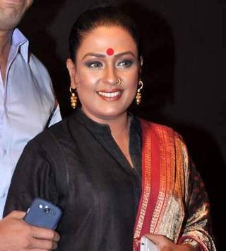 ashwini kalsekar and her husband