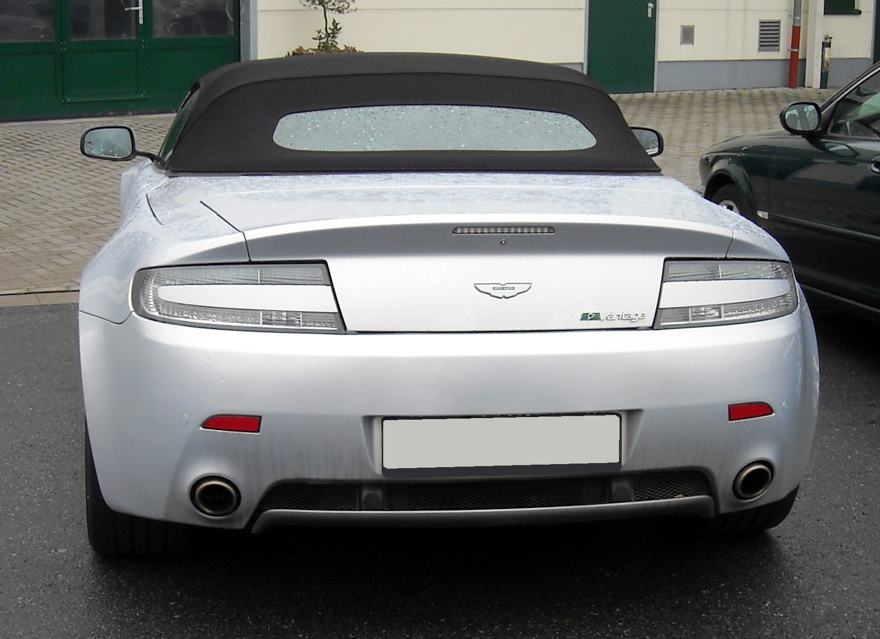 File Aston Martin V8 Vantage Roadster Silver Backsidet 20081204 Jpg Wikimedia Commons