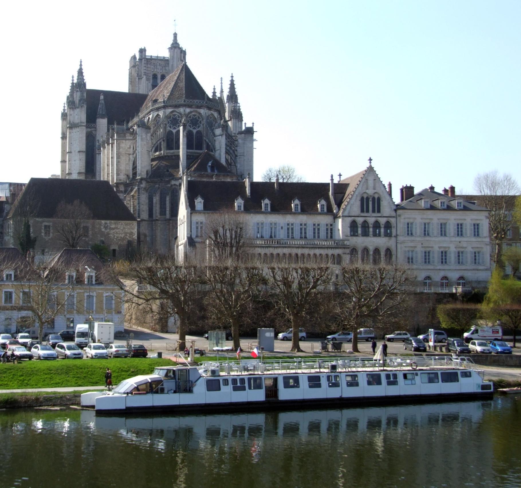 Palais piscopal d 39 auxerre wikip dia - Les jardins d arcadie st etienne ...