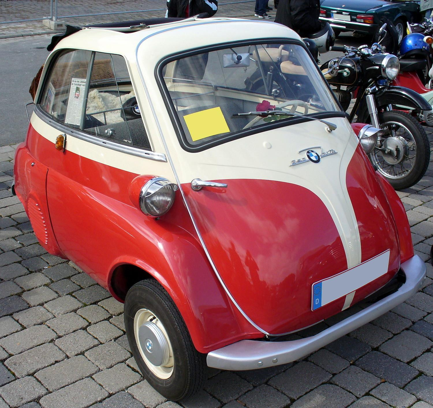 File:BMW 250 Isetta.   Wikimedia Commons