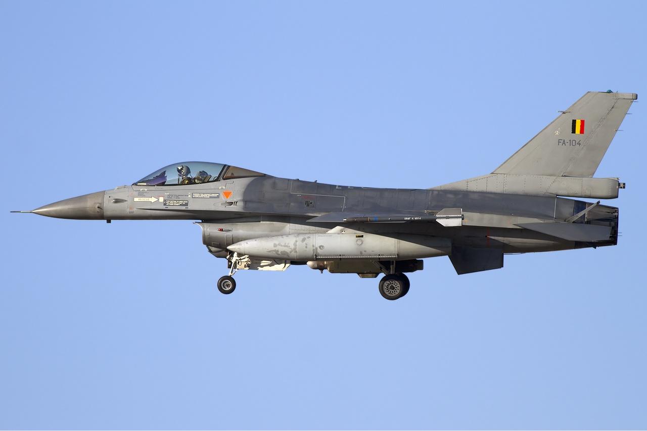 File:Belgium Air Force General Dynamics (SABCA) F-16AM Fighting Falcon (401) Lofting-3.jpg