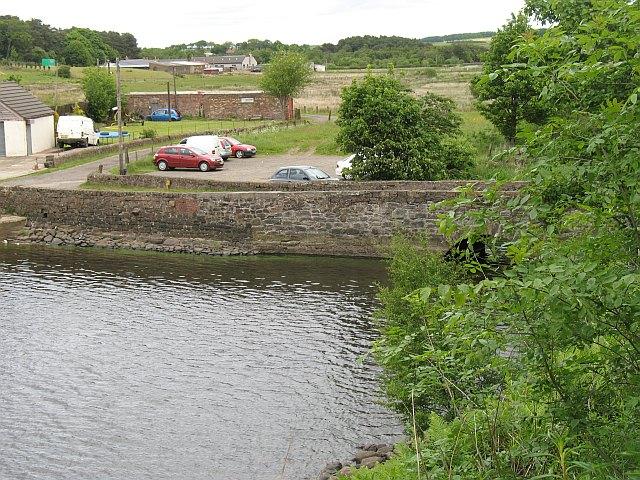 Bridge, Hillend Reservoir - geograph.org.uk - 1074234