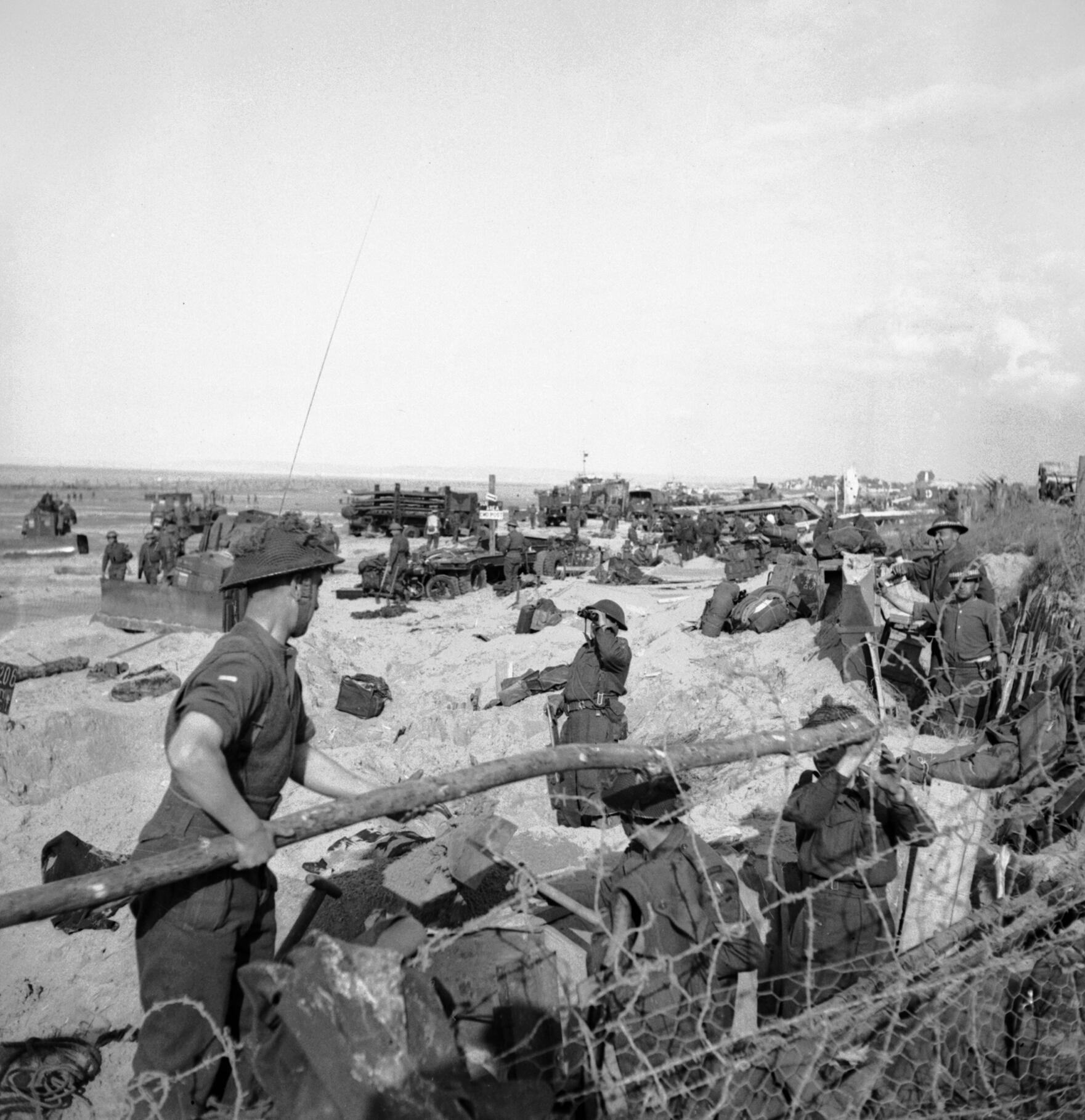 British Logistics In The Normandy Campaign Wikipedia Sugar Sand Boat Wiring Diagram Troops And Naval Beach Parties On Sword D Day