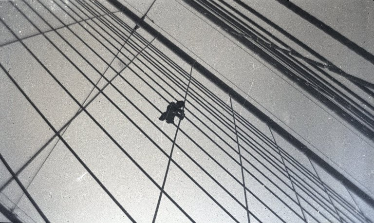 File:Brooklyn Museum - On Bridge (Painter) Brooklyn NY - George Bradford Brainerd.jpg