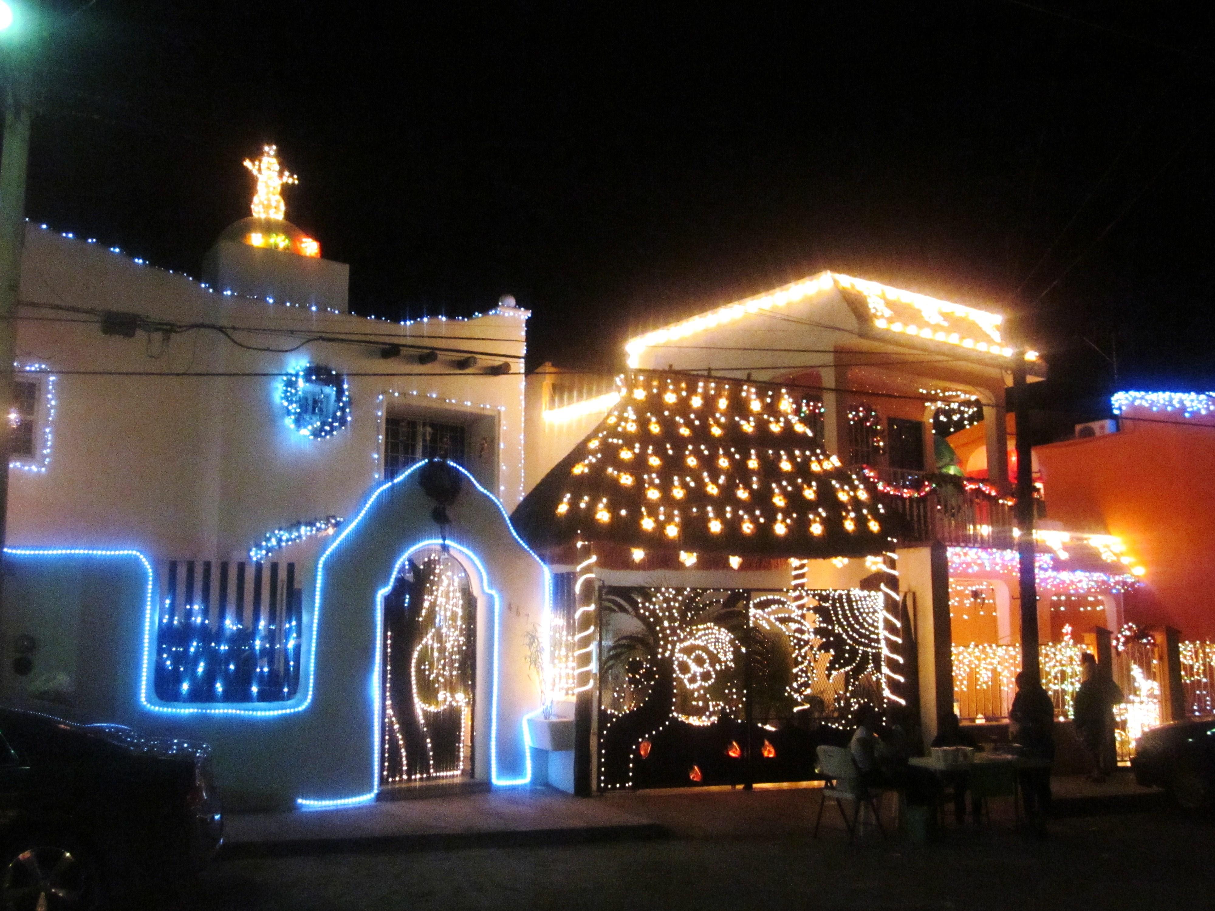 File casas en navidad p de s salvador chetumal - Casas adornadas de navidad ...