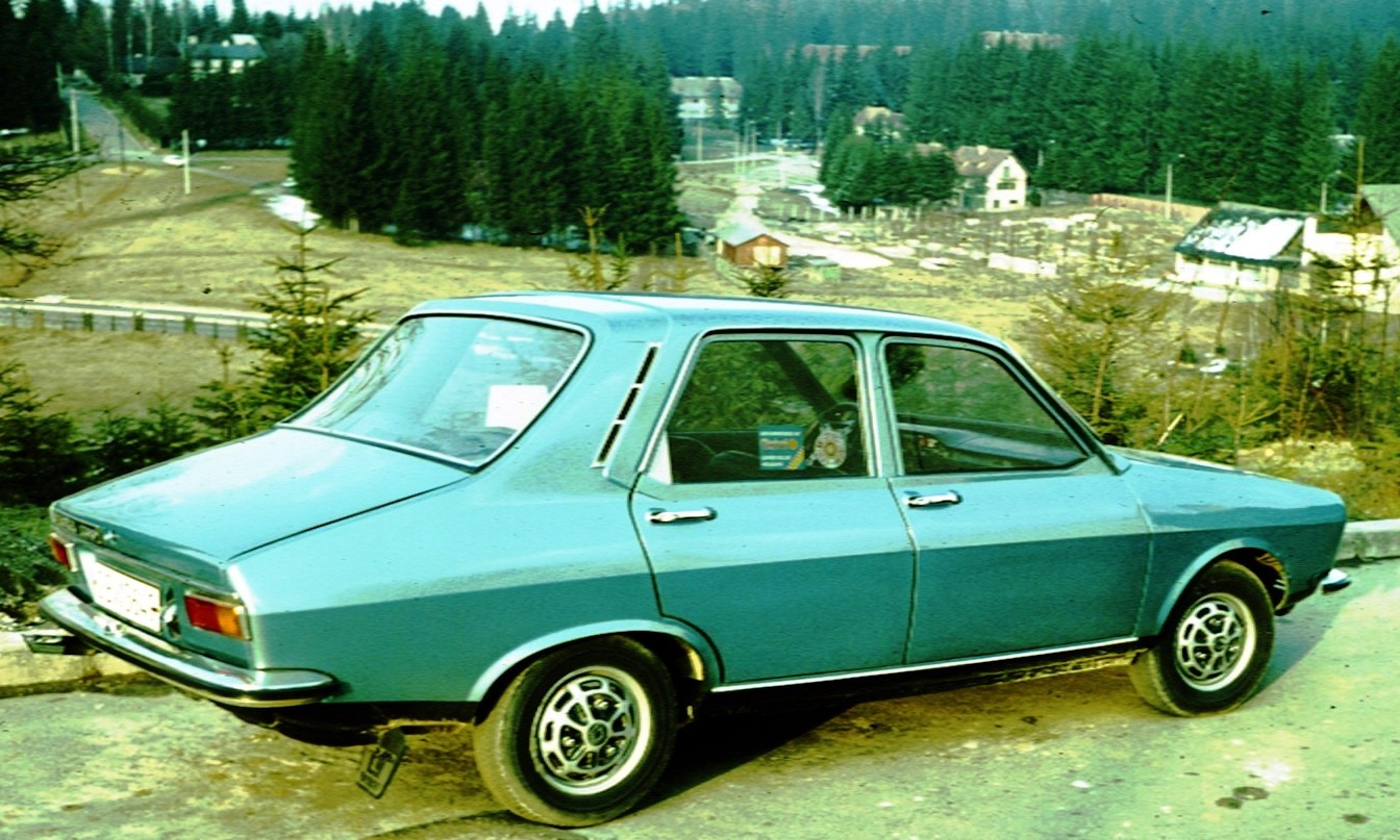 Description Dacia 1300 Poina Brasov.jpg