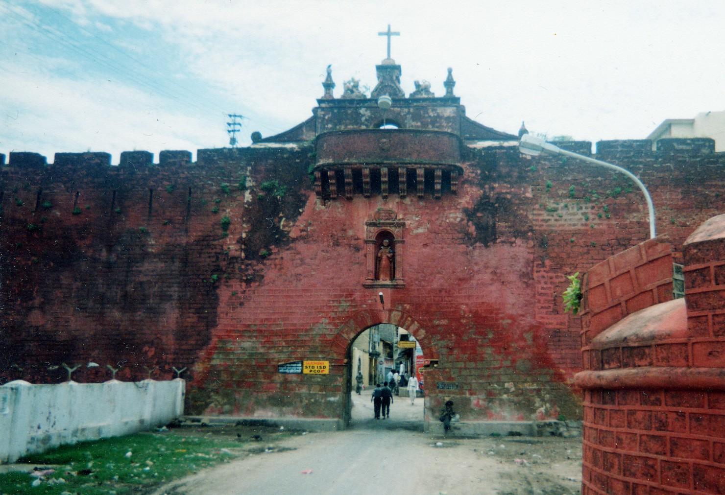 Diu India  city photos : Places to visit in Diu And Daman: Diu Fort Diu www.vishvabhraman.com