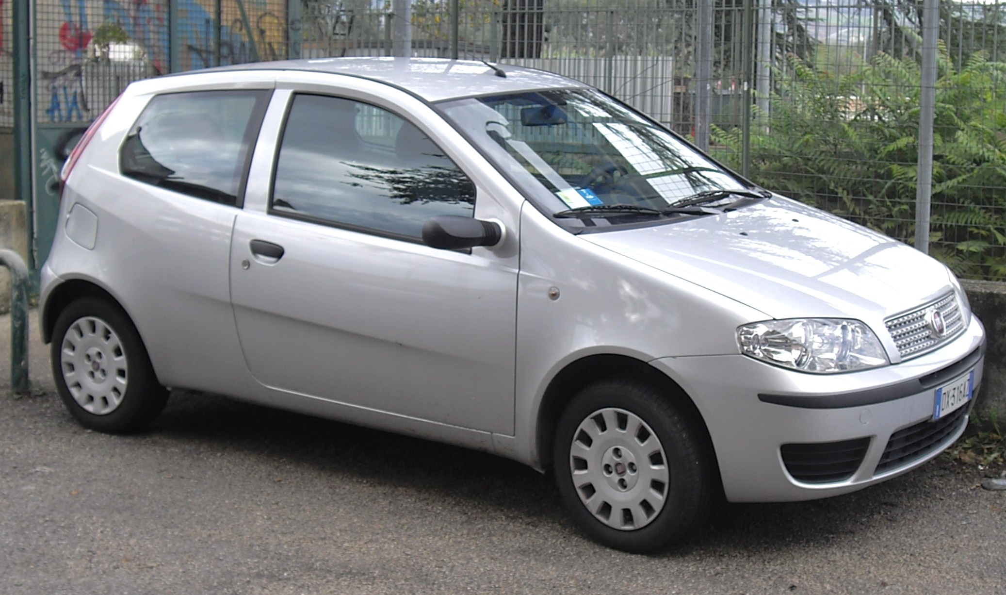 fiat punto pictures posters news and videos on your. Black Bedroom Furniture Sets. Home Design Ideas