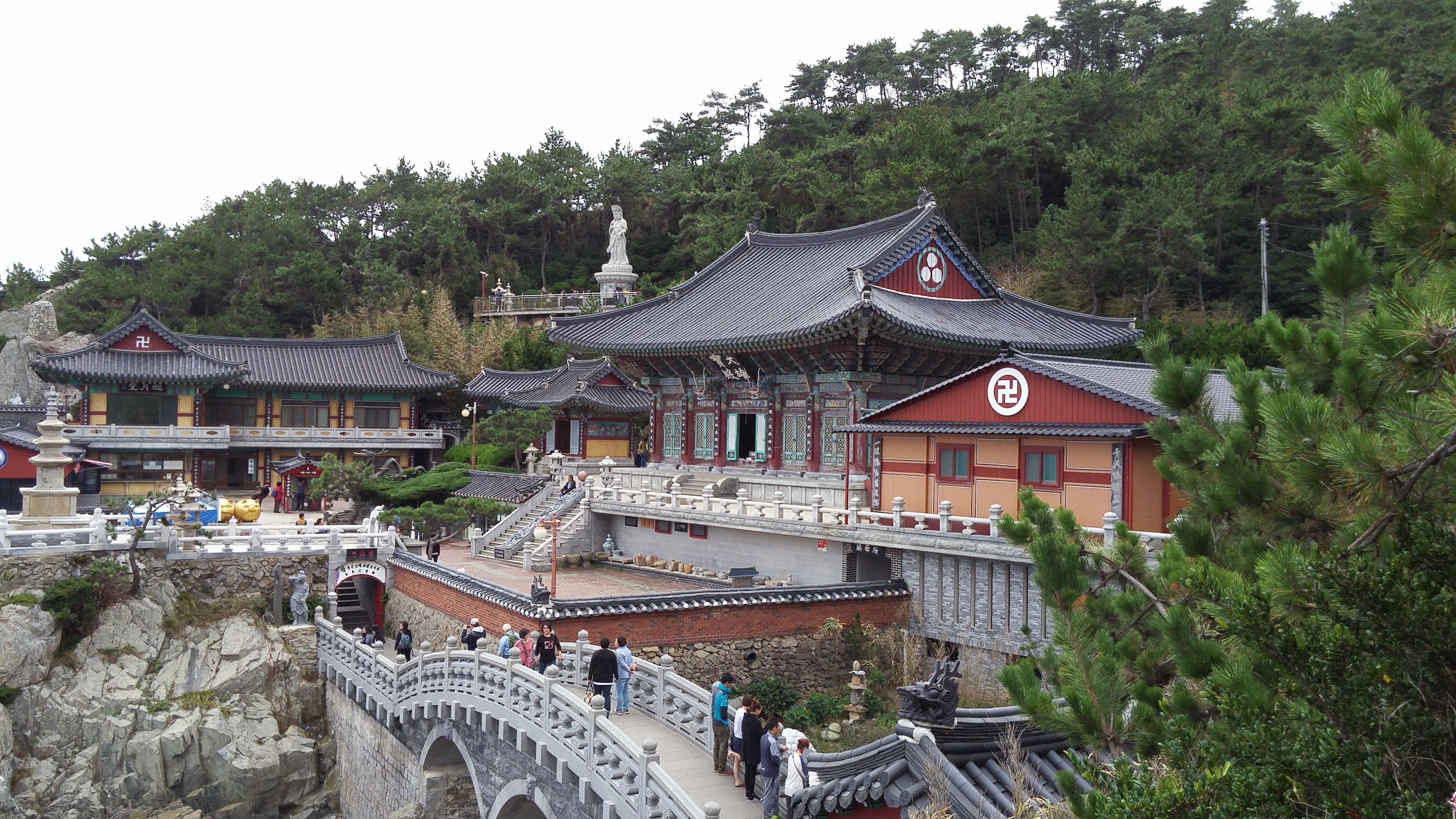 Haedong Yonggungsa Temple is one of the famous tourist attractions in South Korea with tons of monthly visitors from other countries.