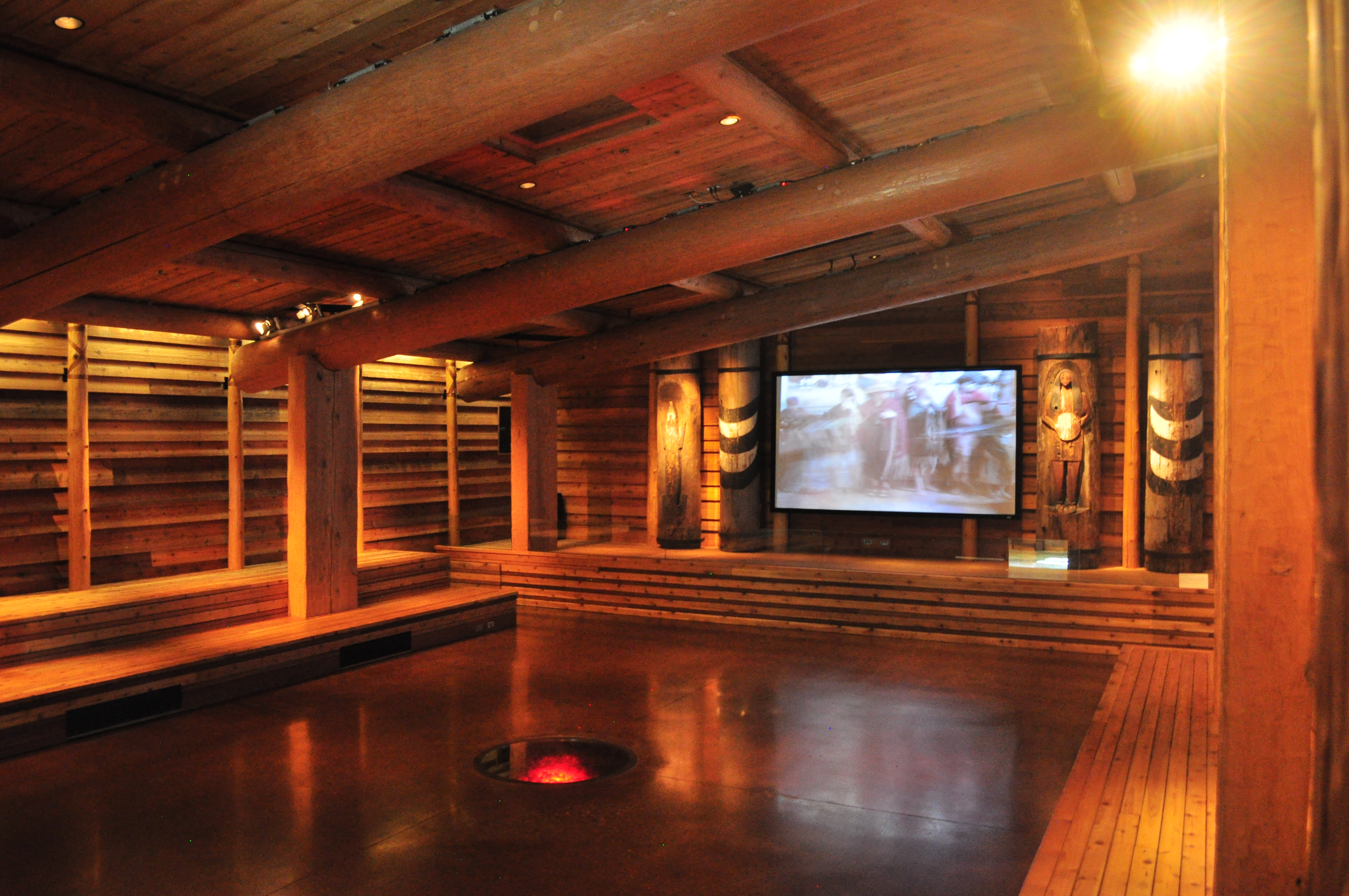 File:Hibulb Cultural Center - longhouse interior 01 ...
