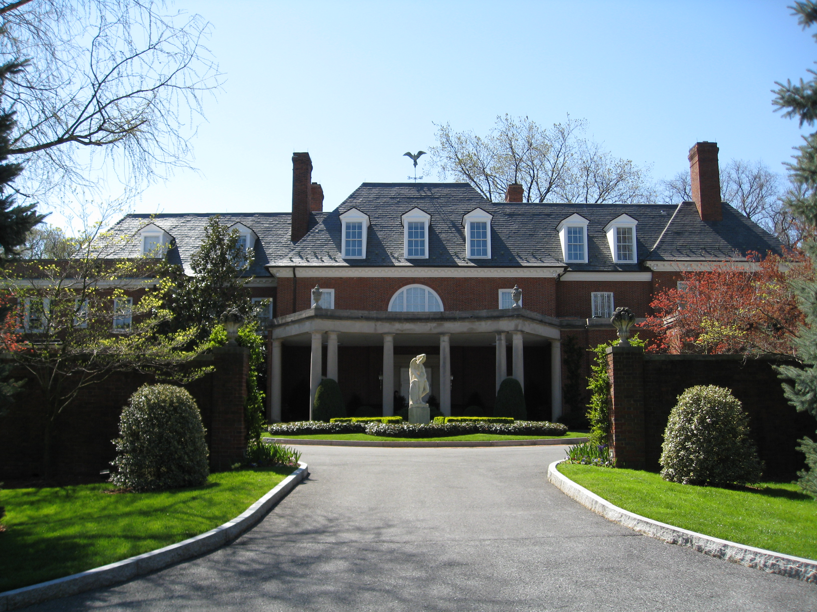 File Hillwood Museum Exterior Front Jpg Wikipedia