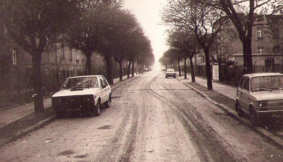 Groovy File:Janickiego street, Poznan, 20.11.1989.jpg - Wikimedia Commons HH99