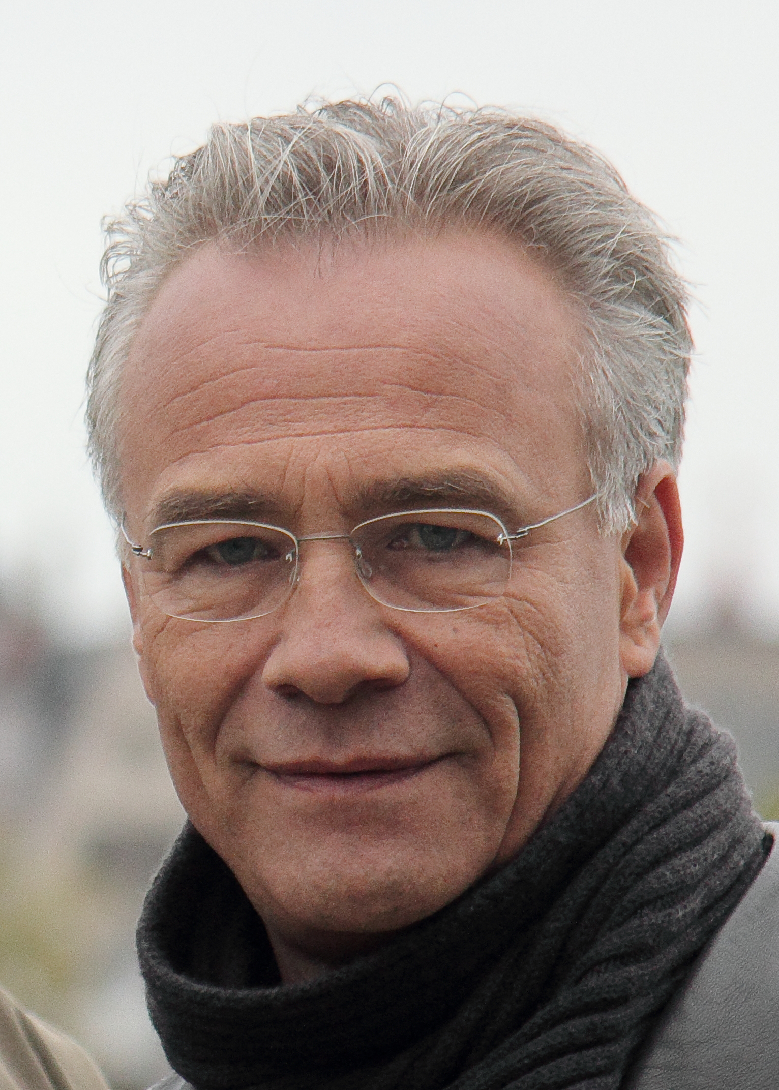Klaus Behrendt Net Worth