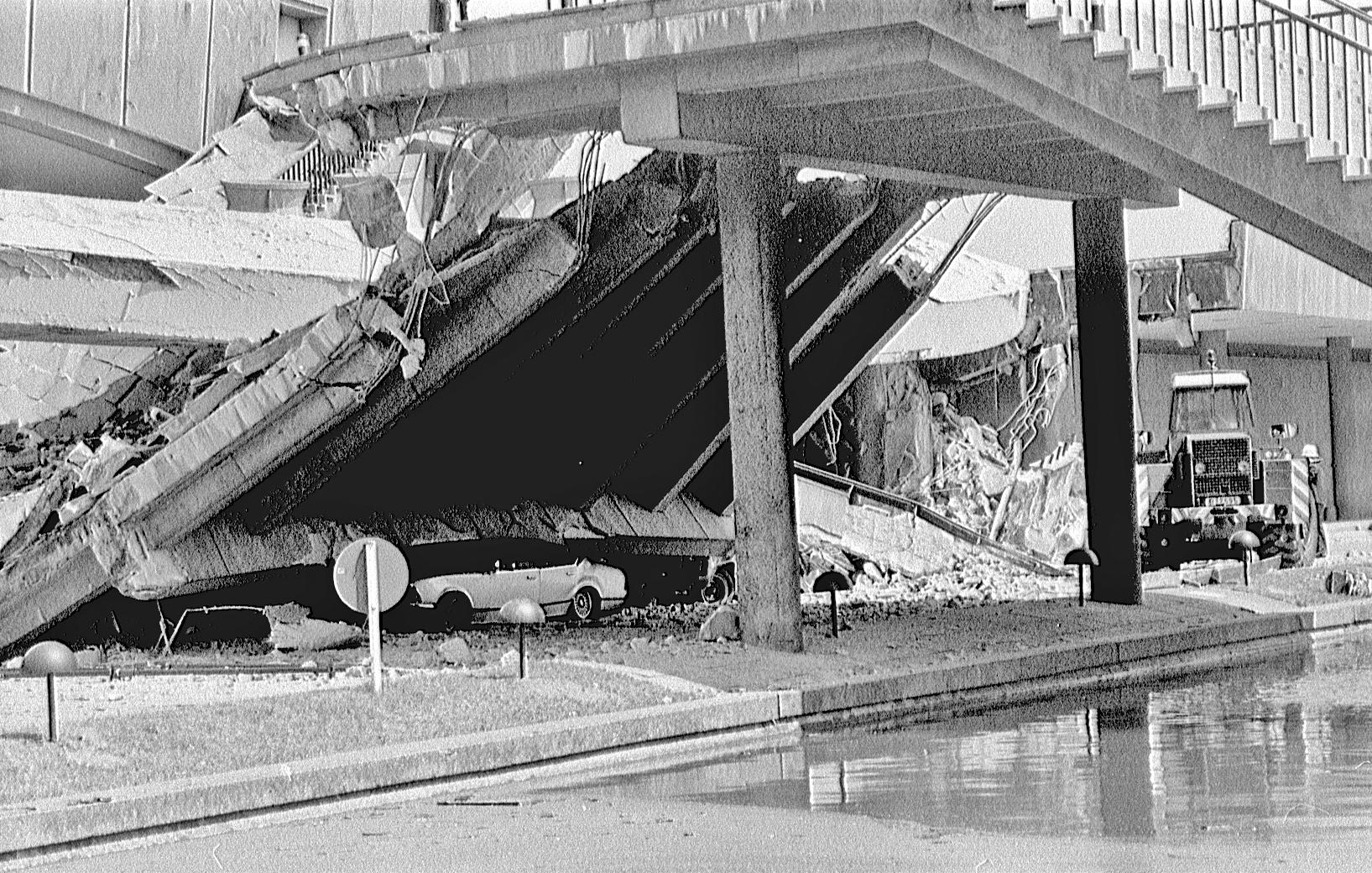 Die Kongresshalle in Berlin kurz nach dem Einsturz am 21.05.1980 - Foto von Herbert Orth