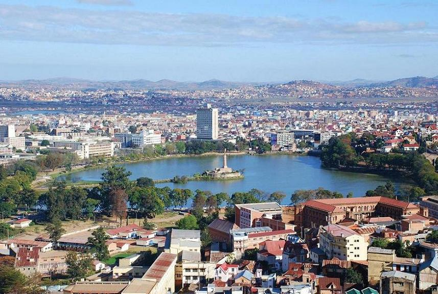 Antananarivo Madagascar  city photos gallery : Lake Anosy, Central Antananarivo, Capital of Madagascar, Photo by ...
