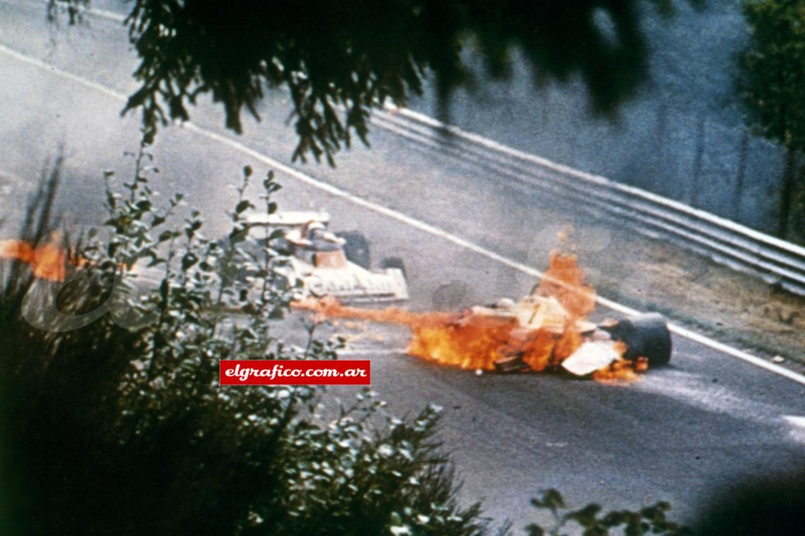 התאונה של ניקי לאודה בראשון לאוגוסט 1976 במסלול נירנברג - מויקיפדיה באנגלית