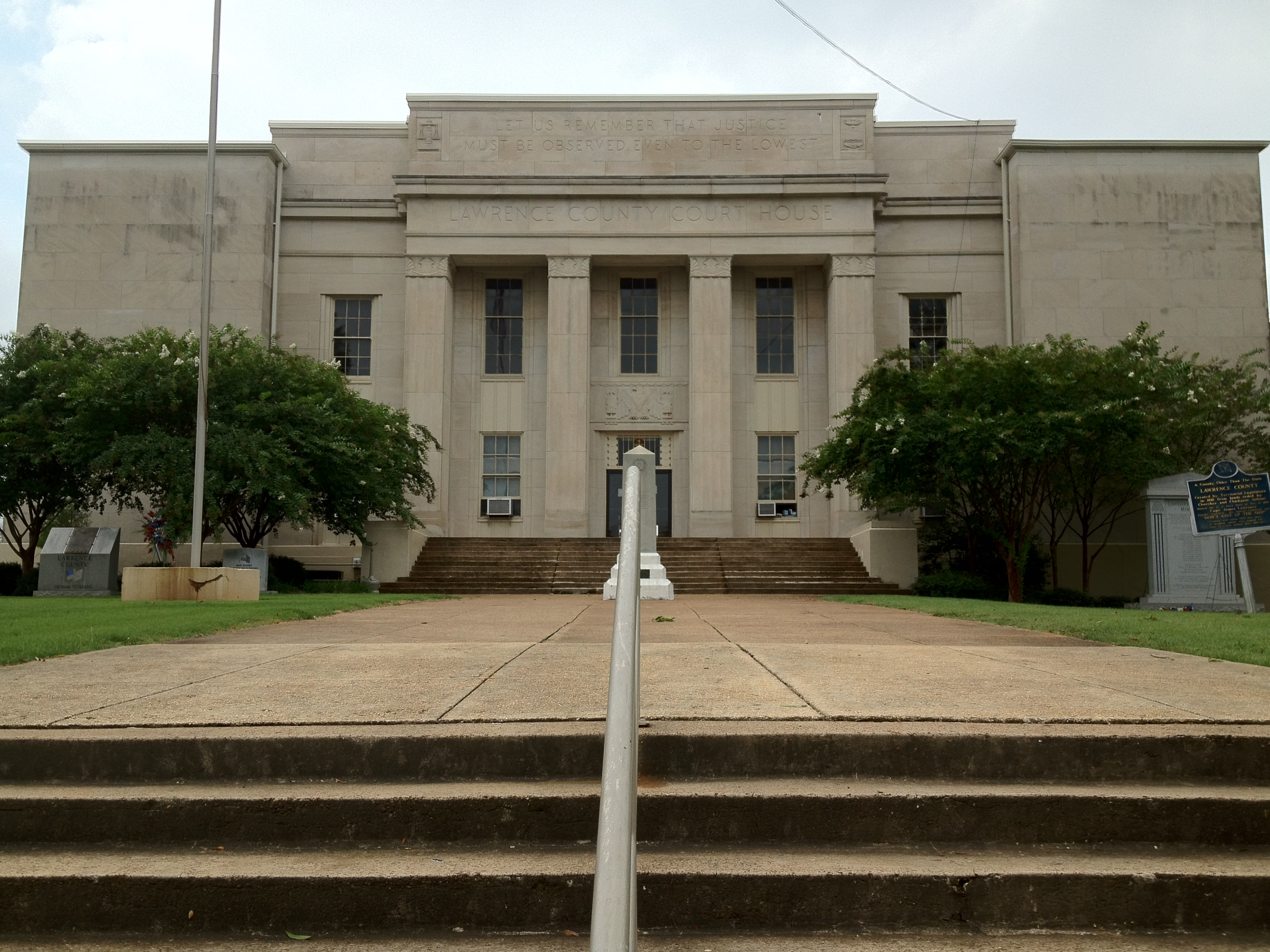 File:Lawrence County Courthouse in Moulton, Alabama.JPGbalance of lawrence county