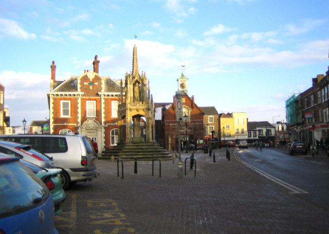 Leighton Buzzard, Market Square - geograph.org.uk - 96736