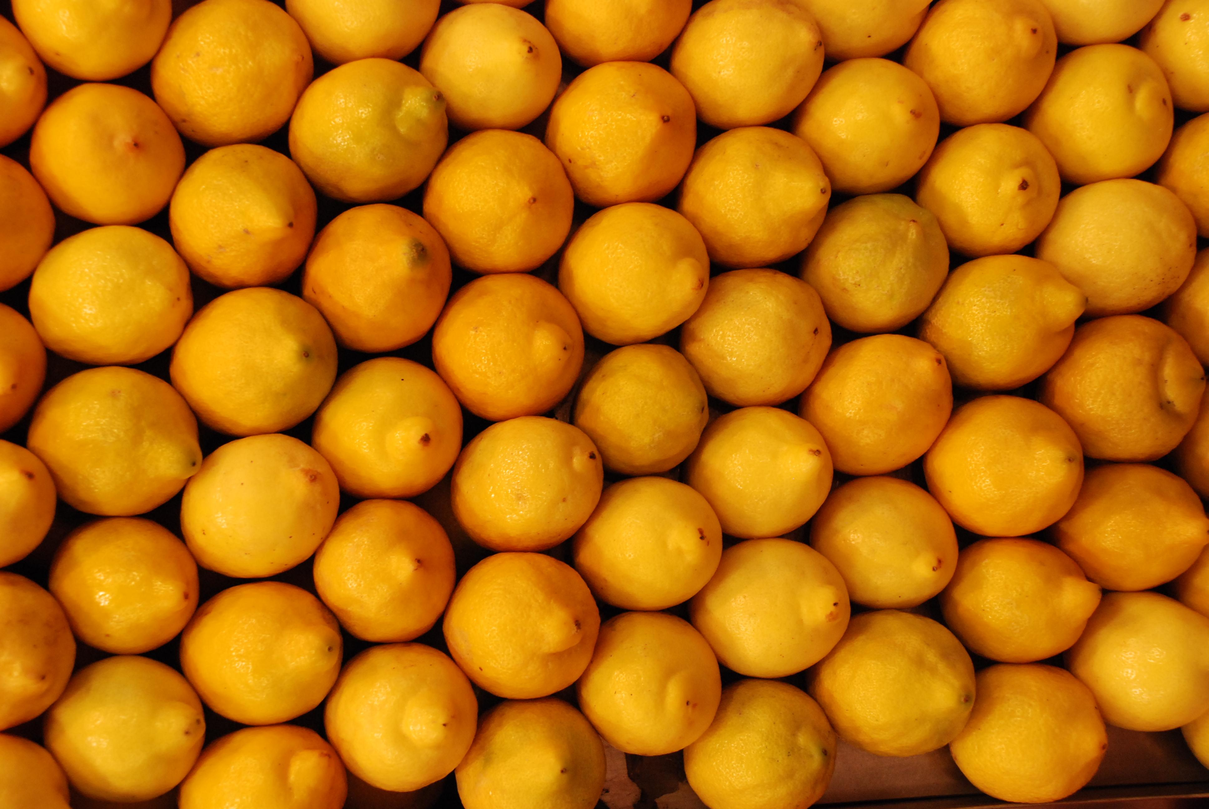 - Unusual uses for lemons ...