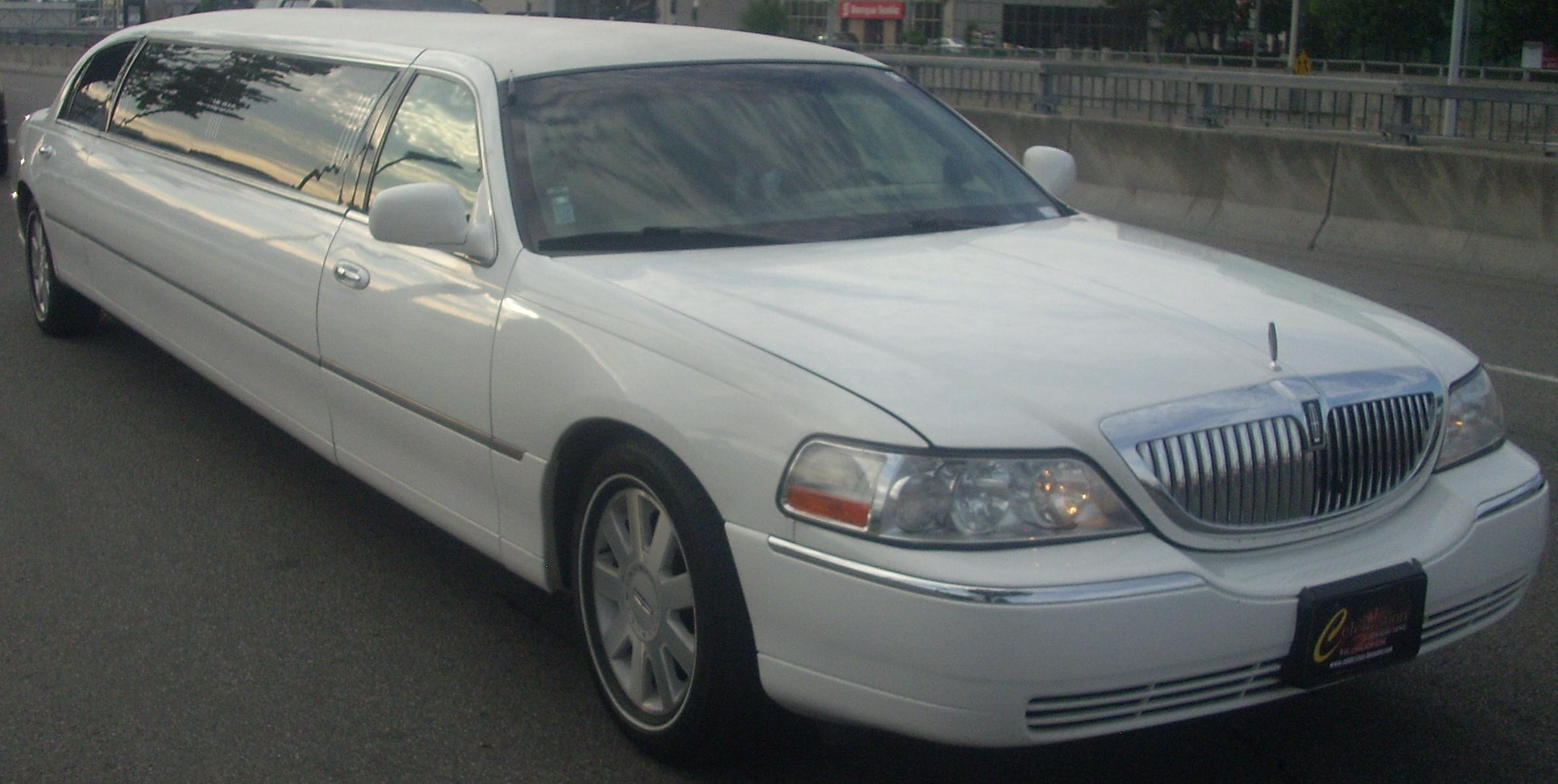 File lincoln town car limo jpg