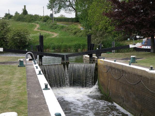 Lock gates at Yarwell Mill - geograph.org.uk - 1319711