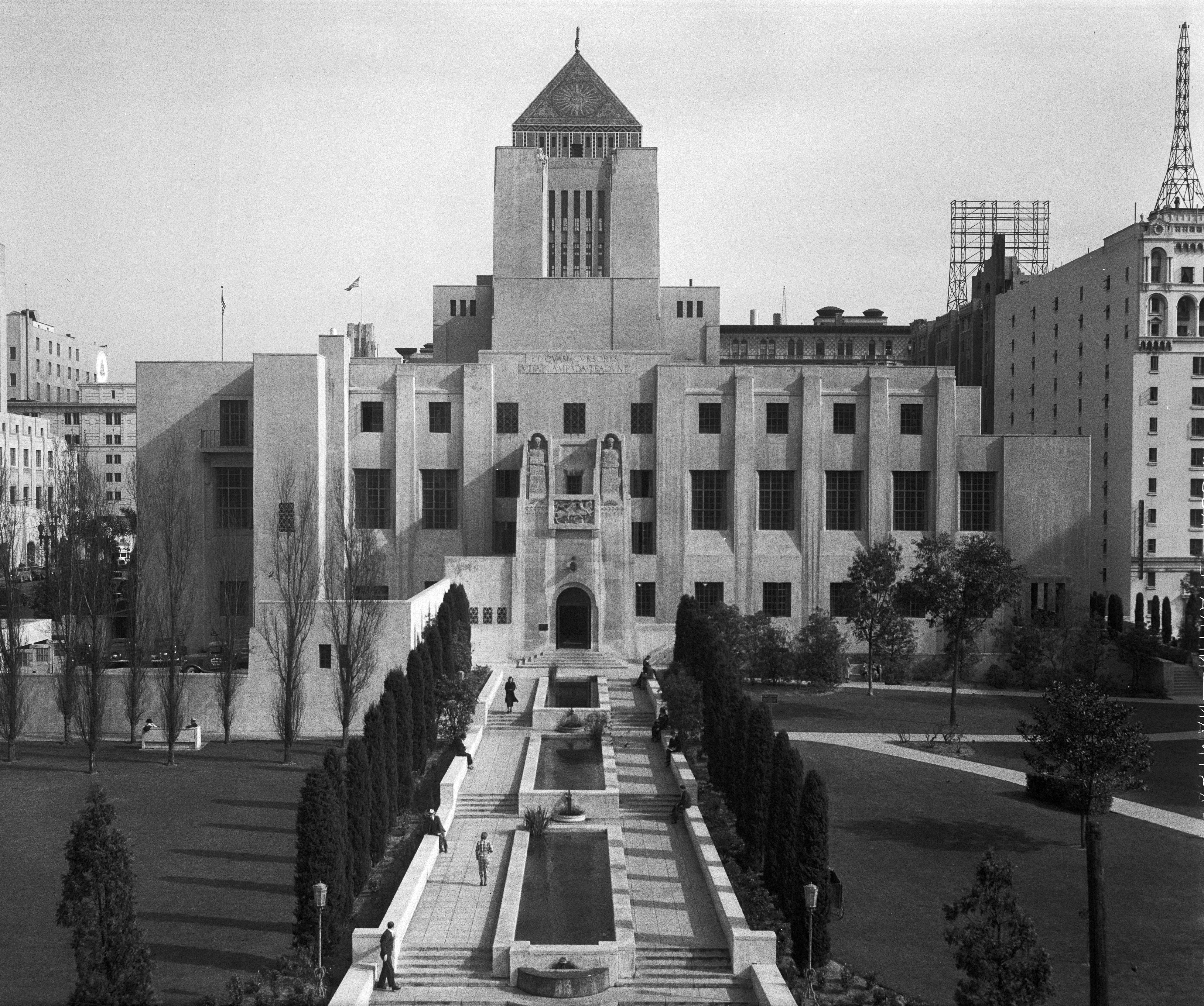 File:Los Angeles Public Library 1935.jpg