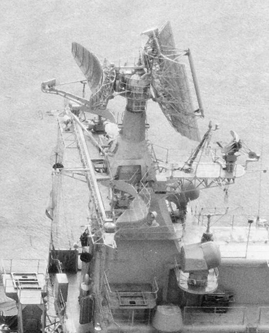 MR-710_%C2%ABFregat%C2%BB_on_destroyer_%C2%ABOtlichnyy%C2%BB,_1988_(4).jpg