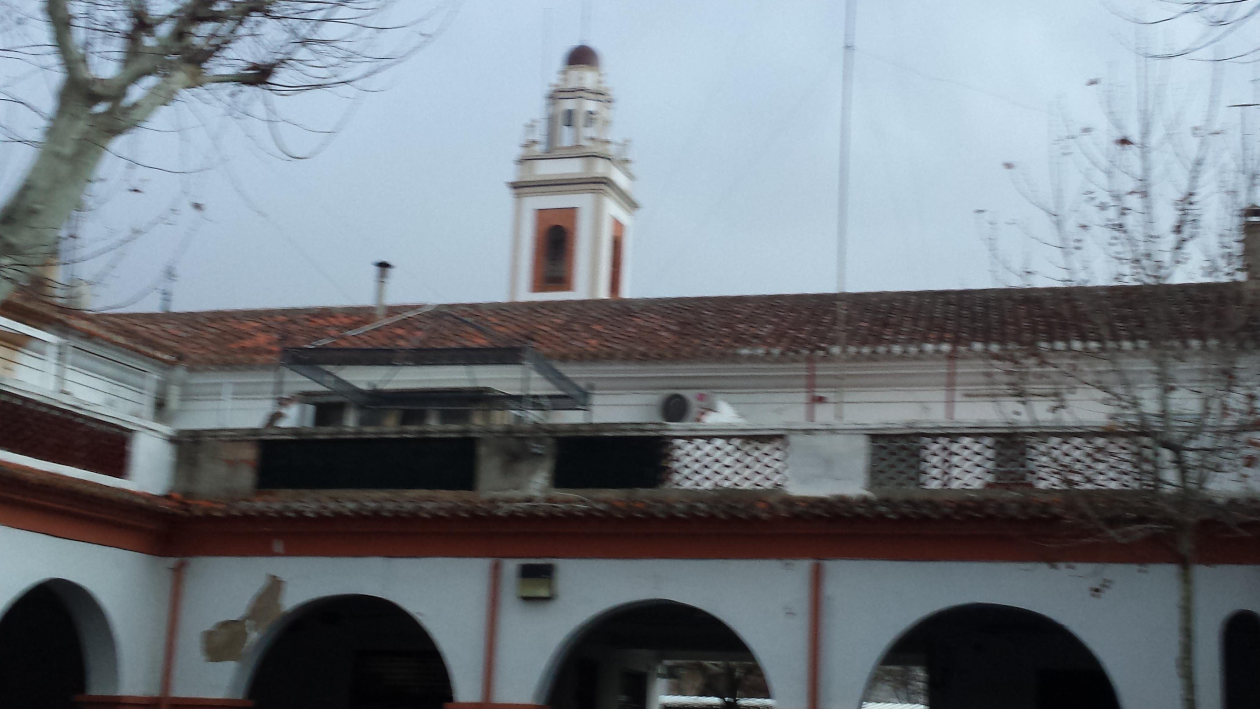 File mercado de las casas baratas plaza porticada for Arquitectura franquista