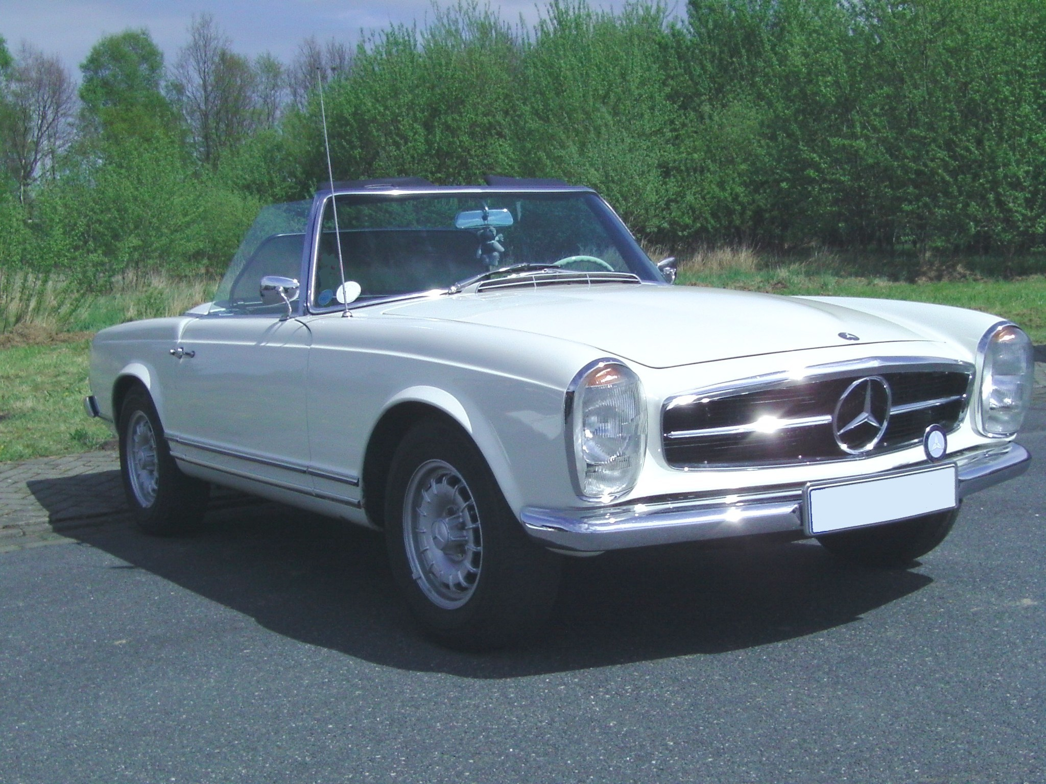 File mercedes benz 230 wikimedia commons for Mercedes benz sl 230