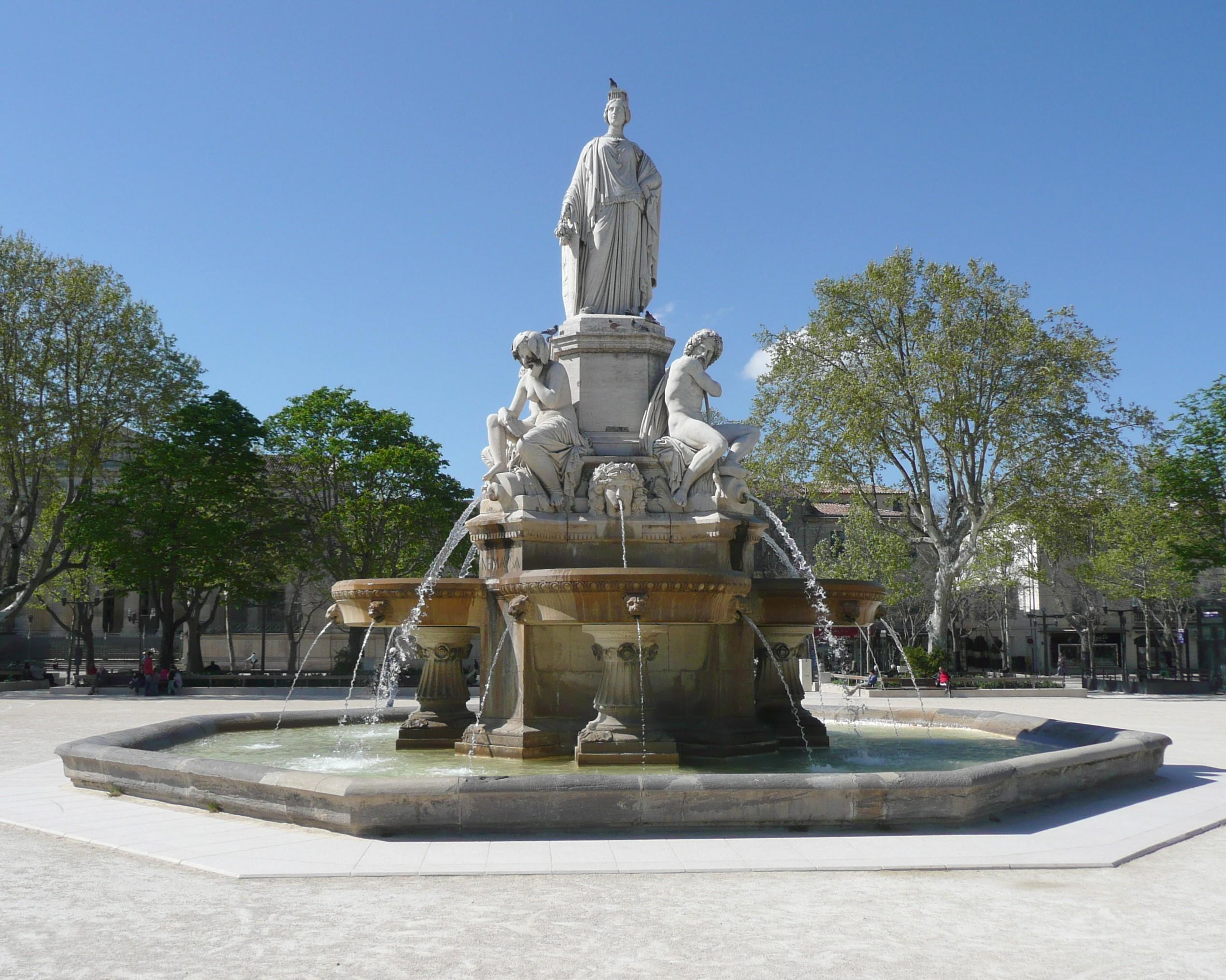 File n mes esplanade charles de gaulle fontaine wikimedia commons - Esplanade charles de gaulle ...