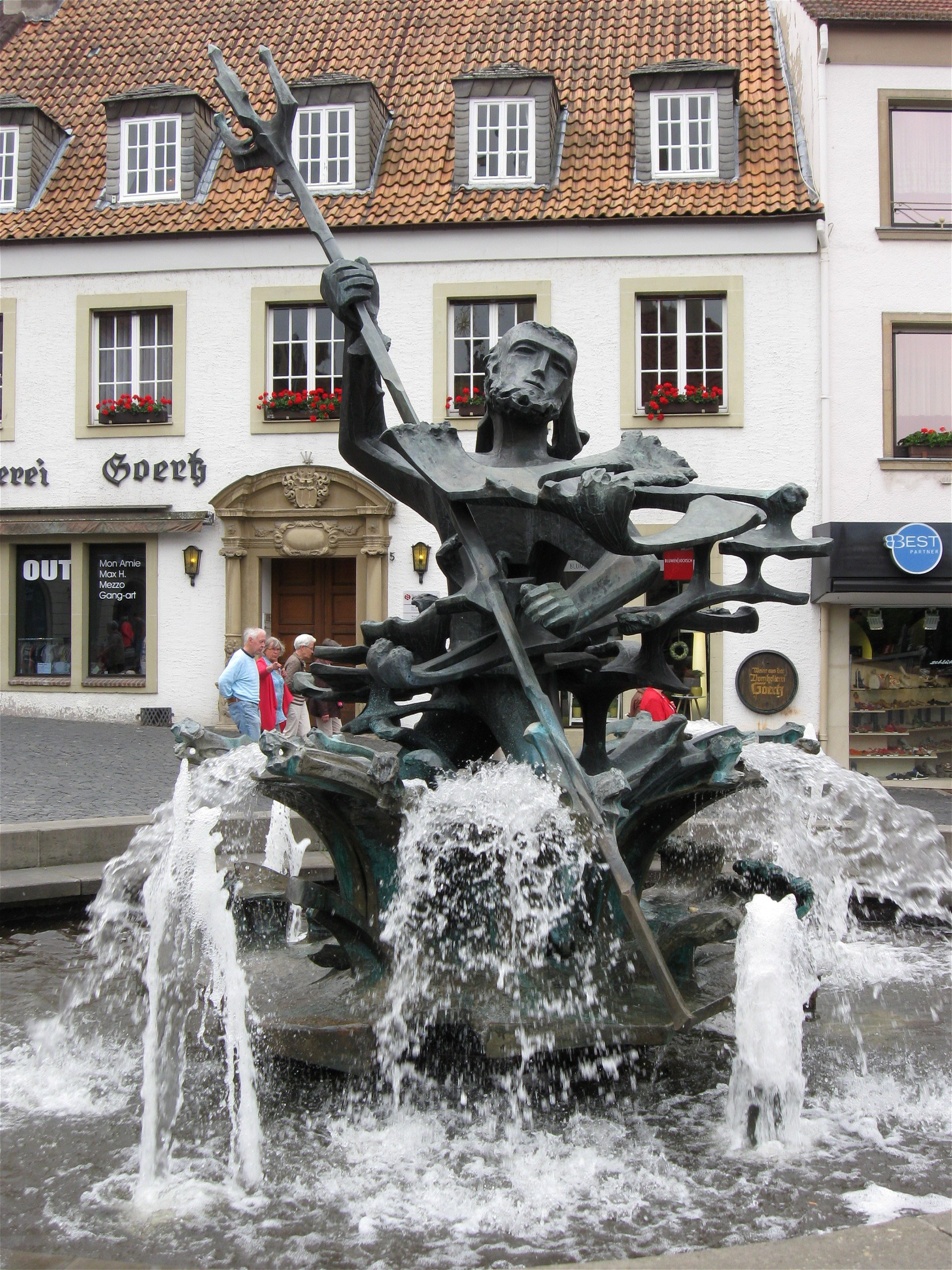 file neptunbrunnen paderborn wikimedia commons. Black Bedroom Furniture Sets. Home Design Ideas
