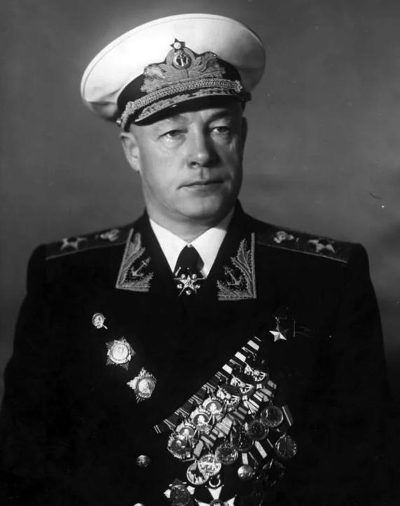Soviet admiral