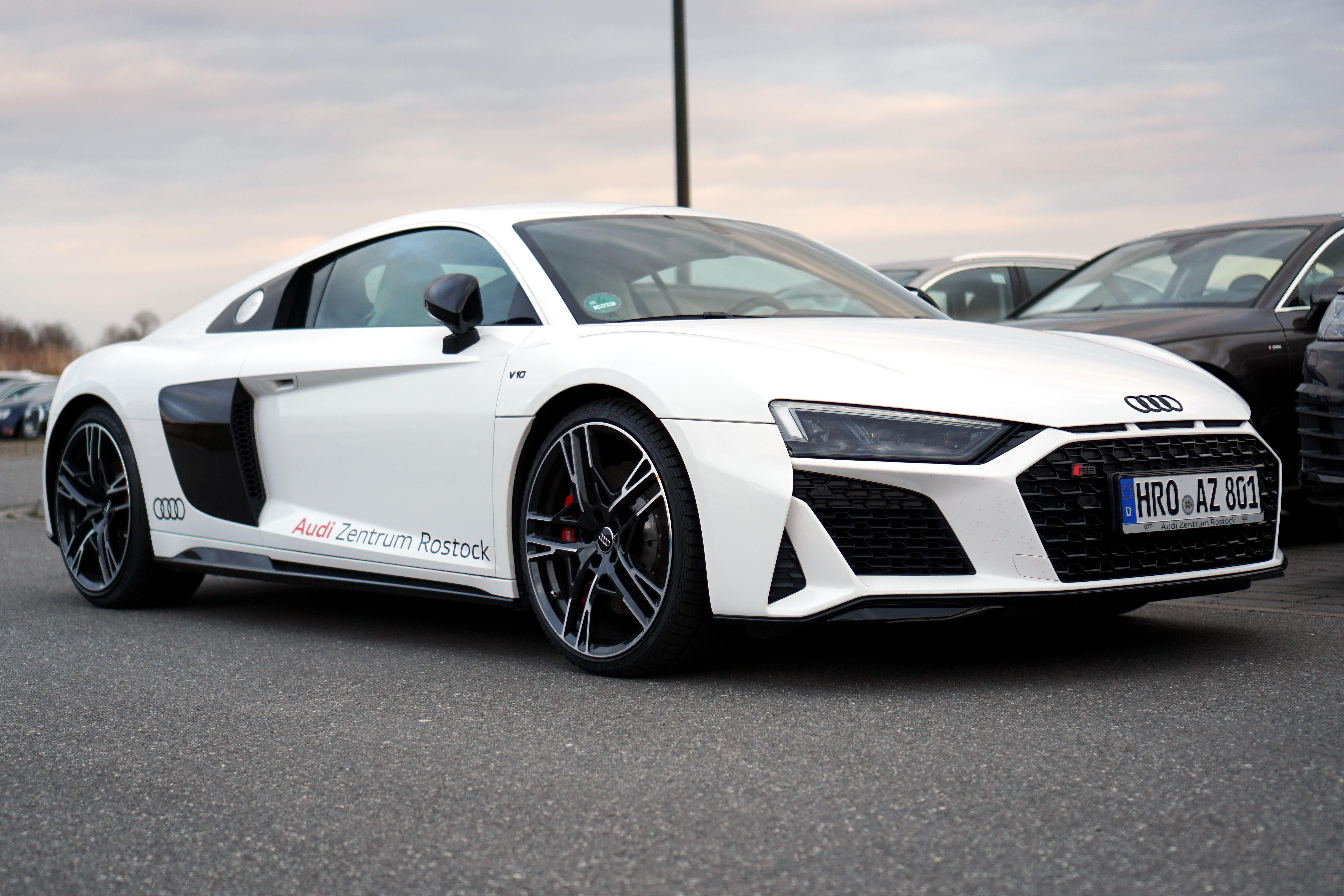 Kelebihan Kekurangan Audi Rs8 Perbandingan Harga
