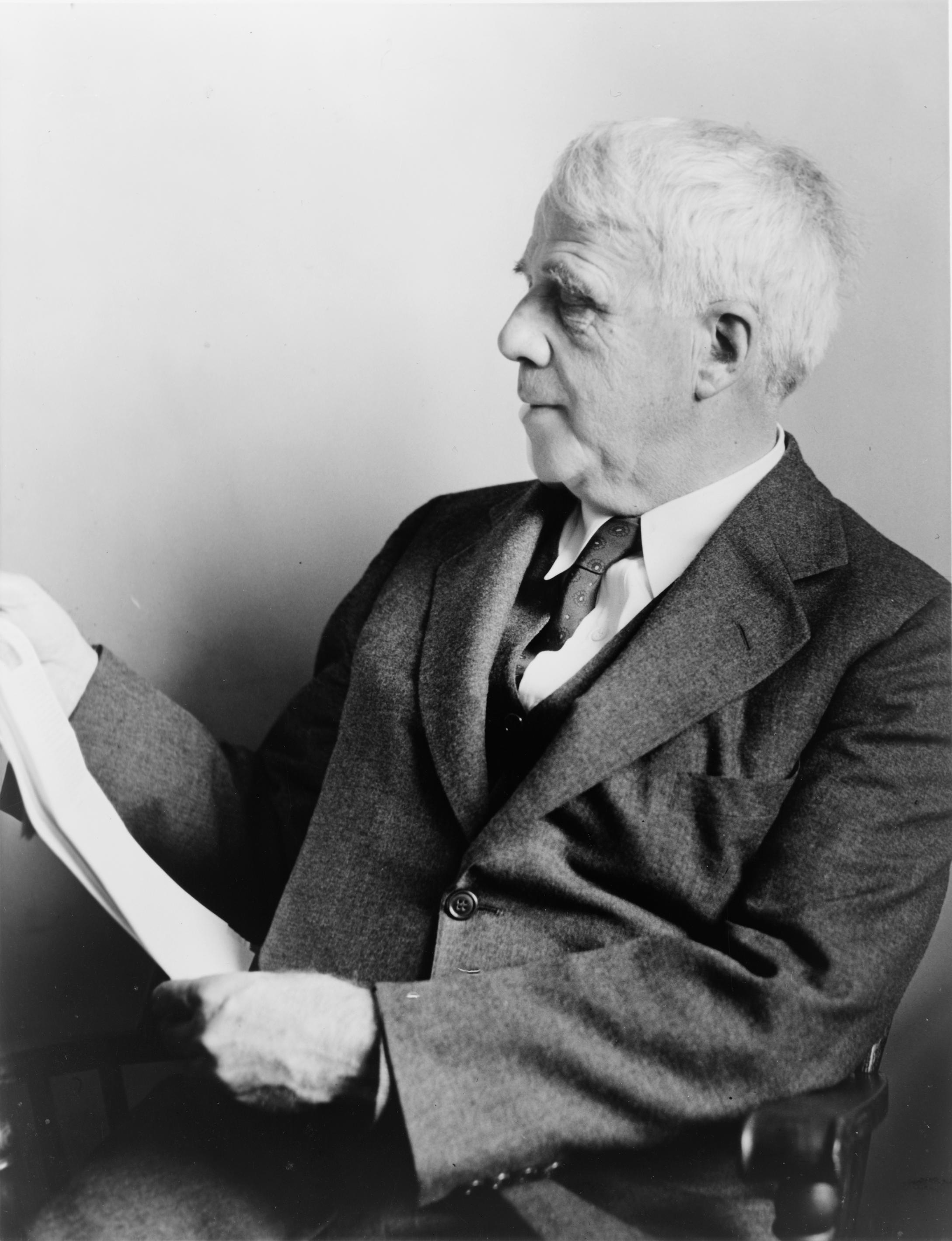 a biography of robert frost After frost's wife died in the thirties, he stepped up the pace of his public readings he must have gotten consolation from being robert frost, from being the image of himself that he had perfected with such genius.