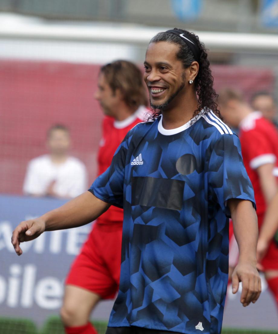 File Ronaldinho 2017 Wikimedia mons