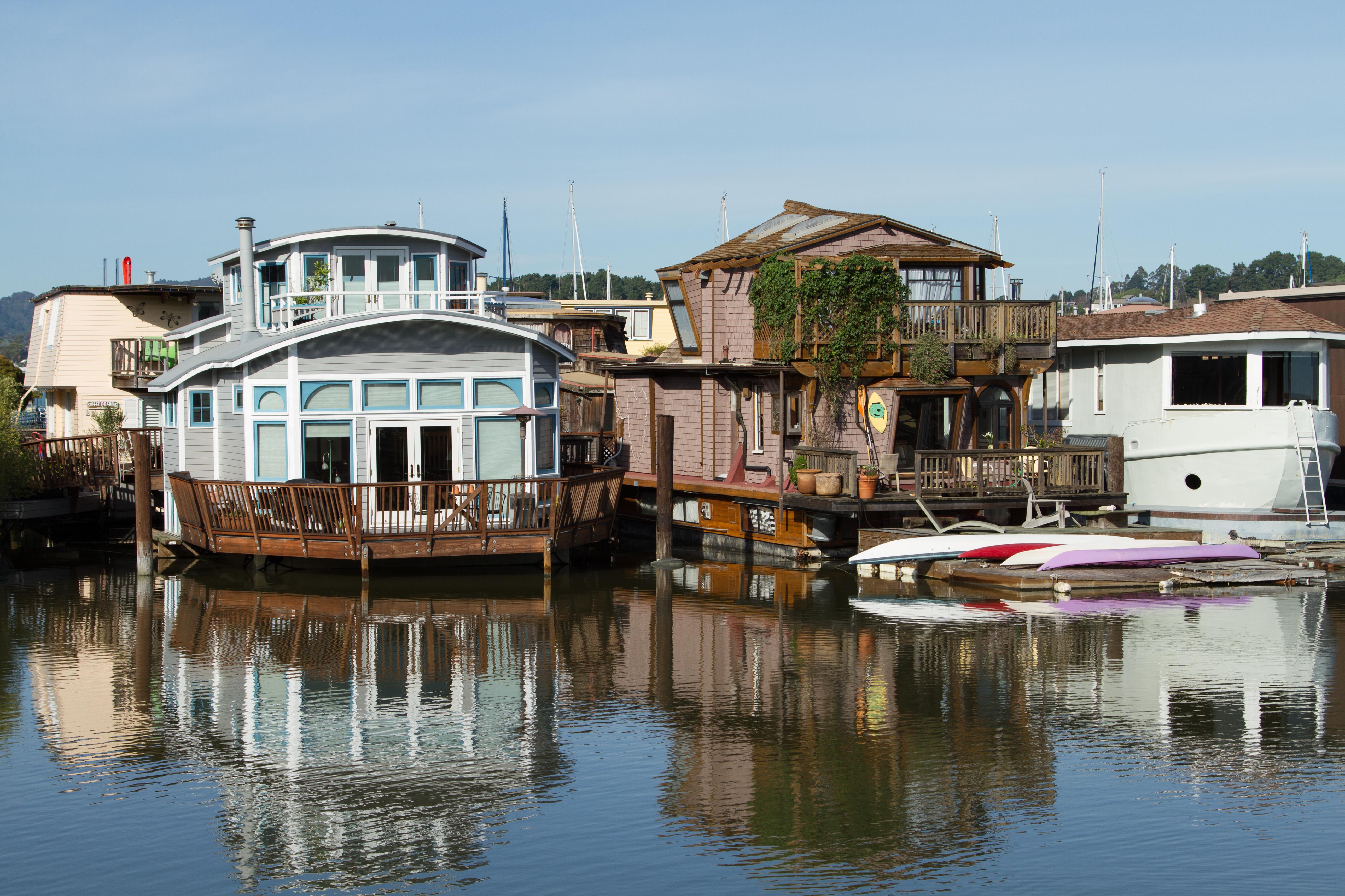 File Sausalito Houseboat Community 003 Jpg
